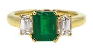 18ct gold emerald and baguette cut diamond ring