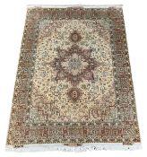 Persian Heriz ivory ground rug