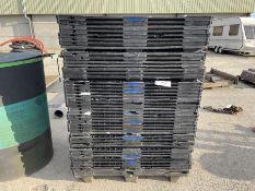 Qty Plastic pallets