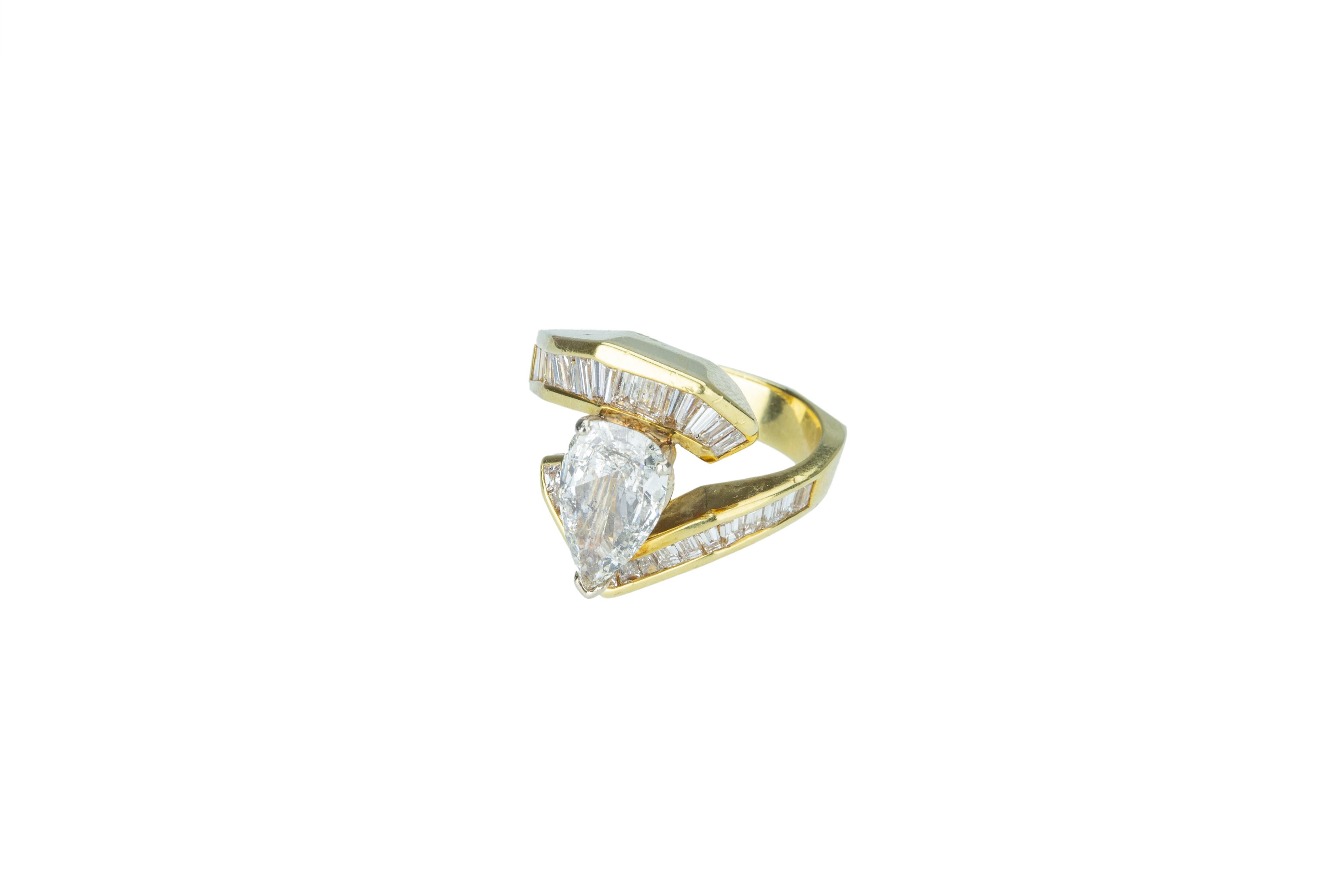 A flamboyant diamond dress ring. - Image 3 of 5