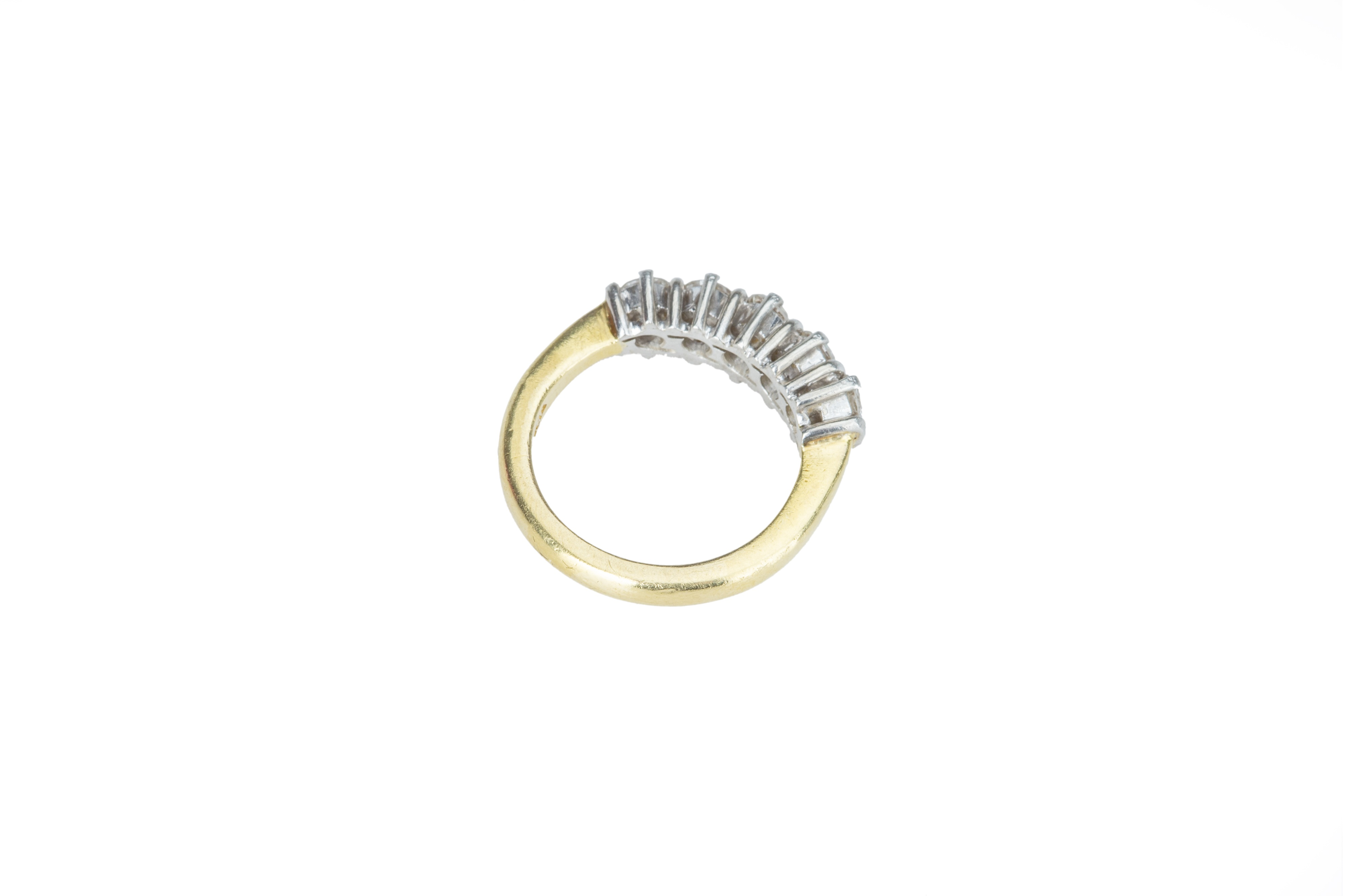 A five stone diamond ring - Image 3 of 5