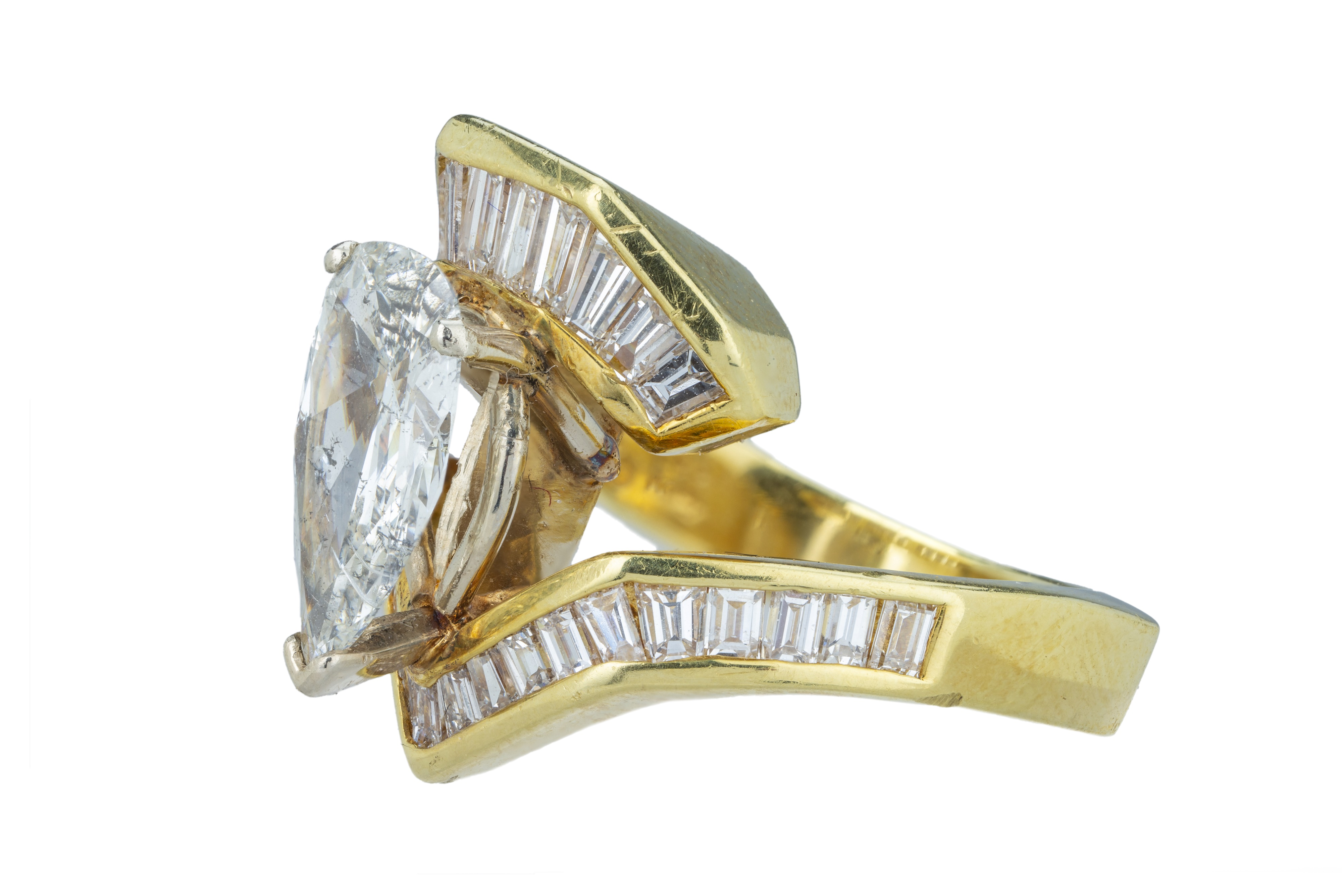 A flamboyant diamond dress ring. - Image 2 of 5