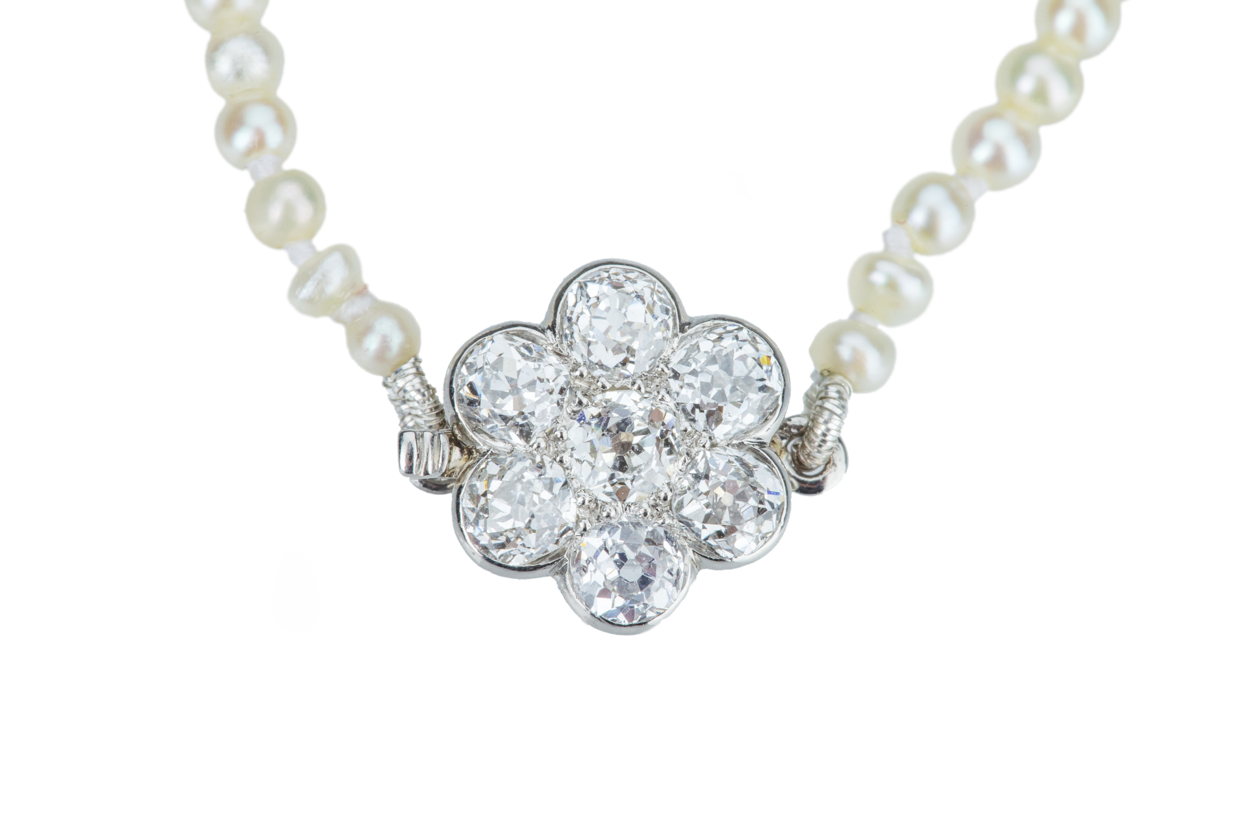 An early 20th century natural pearl necklace.