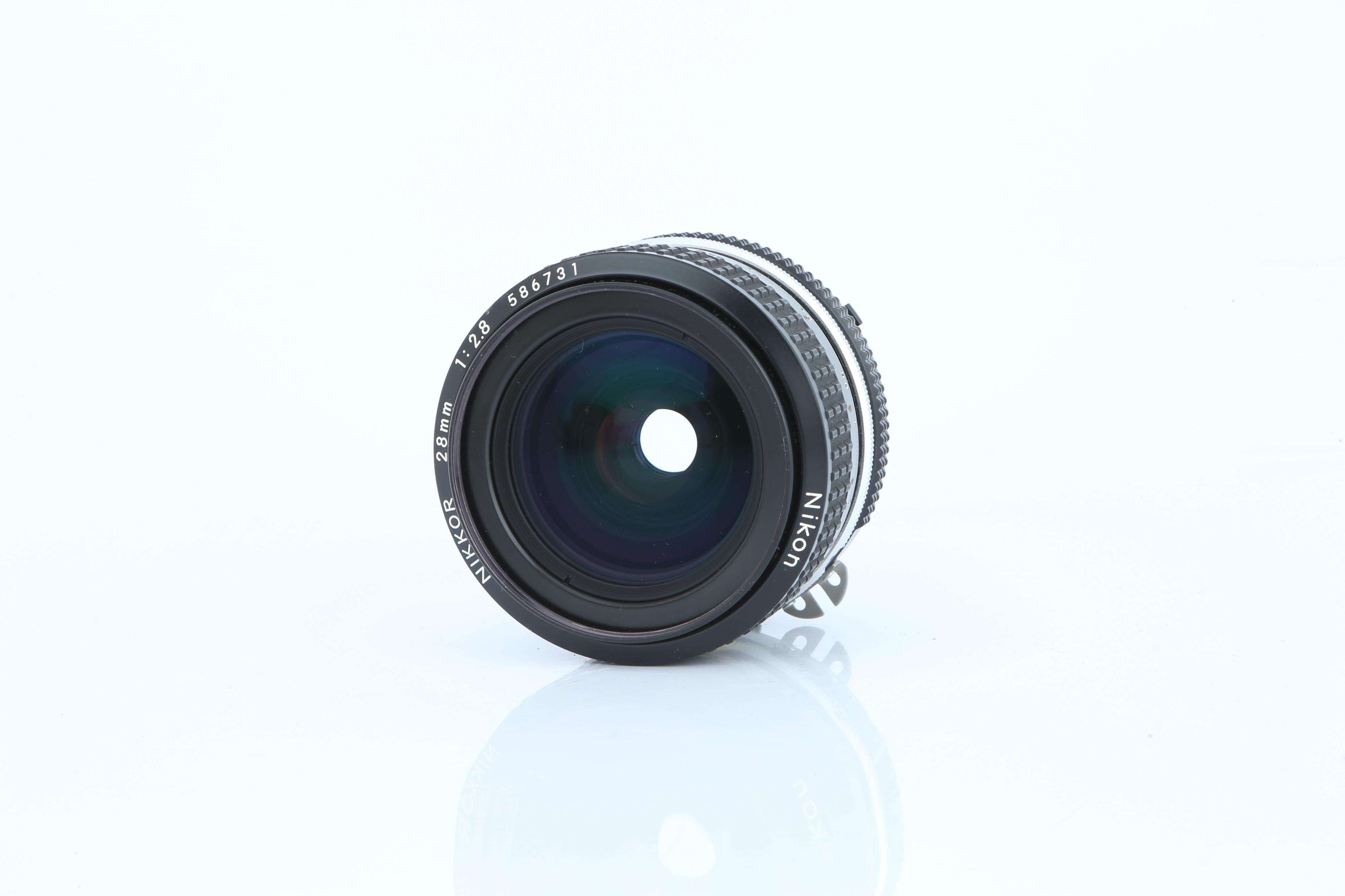 A Nikon Ai Nikkor f/2.8 28mm Lens - Image 2 of 3