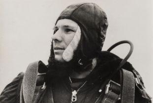 Cosmonauts.- Baturin (Vasily M., photographer and cinematographer) Yuri Gagarin, the first man in …