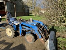 Iseki 2160 compact tractor with front loader, rear spool valve
