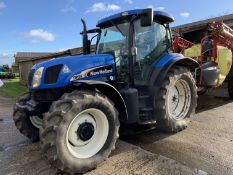 2004 New Holland TS125A tractor YX04 FYU, 5428 hours, 520/70R38 rear and 420/70R28 front tyres with