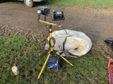 Site flood light & electric reel, good order