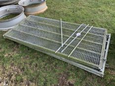 4no 7' sheep hurdles & pins