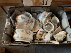 Part Chodziez tea set, some damaged
