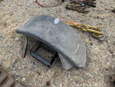 Case 5150 mudguards & steps