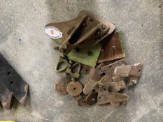 Assorted Dowdeswell plough parts inc skimmer