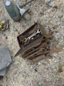 Toolbox & heap of spanners