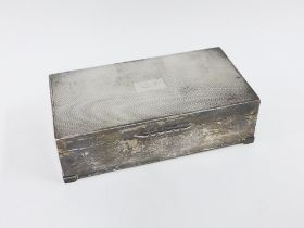 Silver table cigarette box, Birmingham 1958, engine turned decoration and hinged lid with cedar