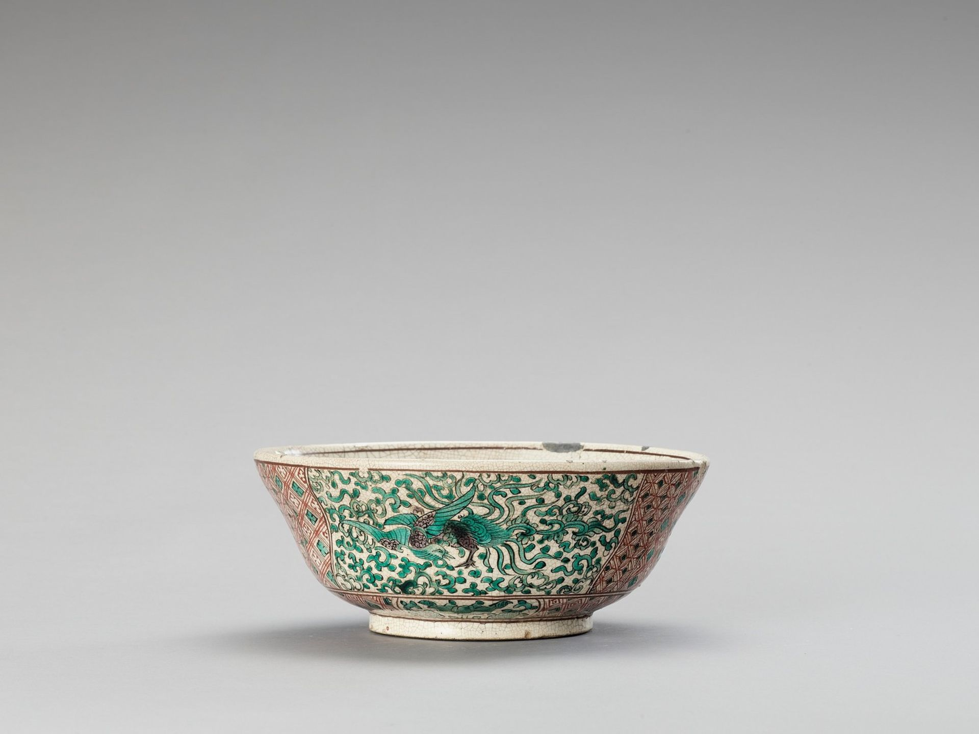A FAMILLE VERTE CRACKLE-GLAZED BOWL - Image 3 of 6