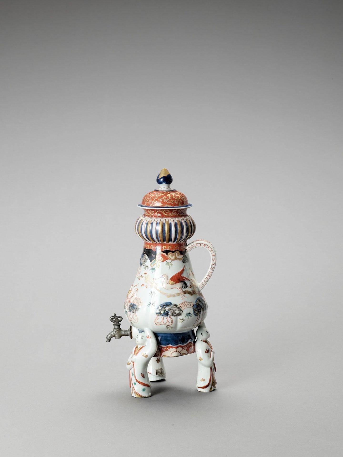 AN IMARI PORCELAIN COFFEE POT - Image 3 of 7