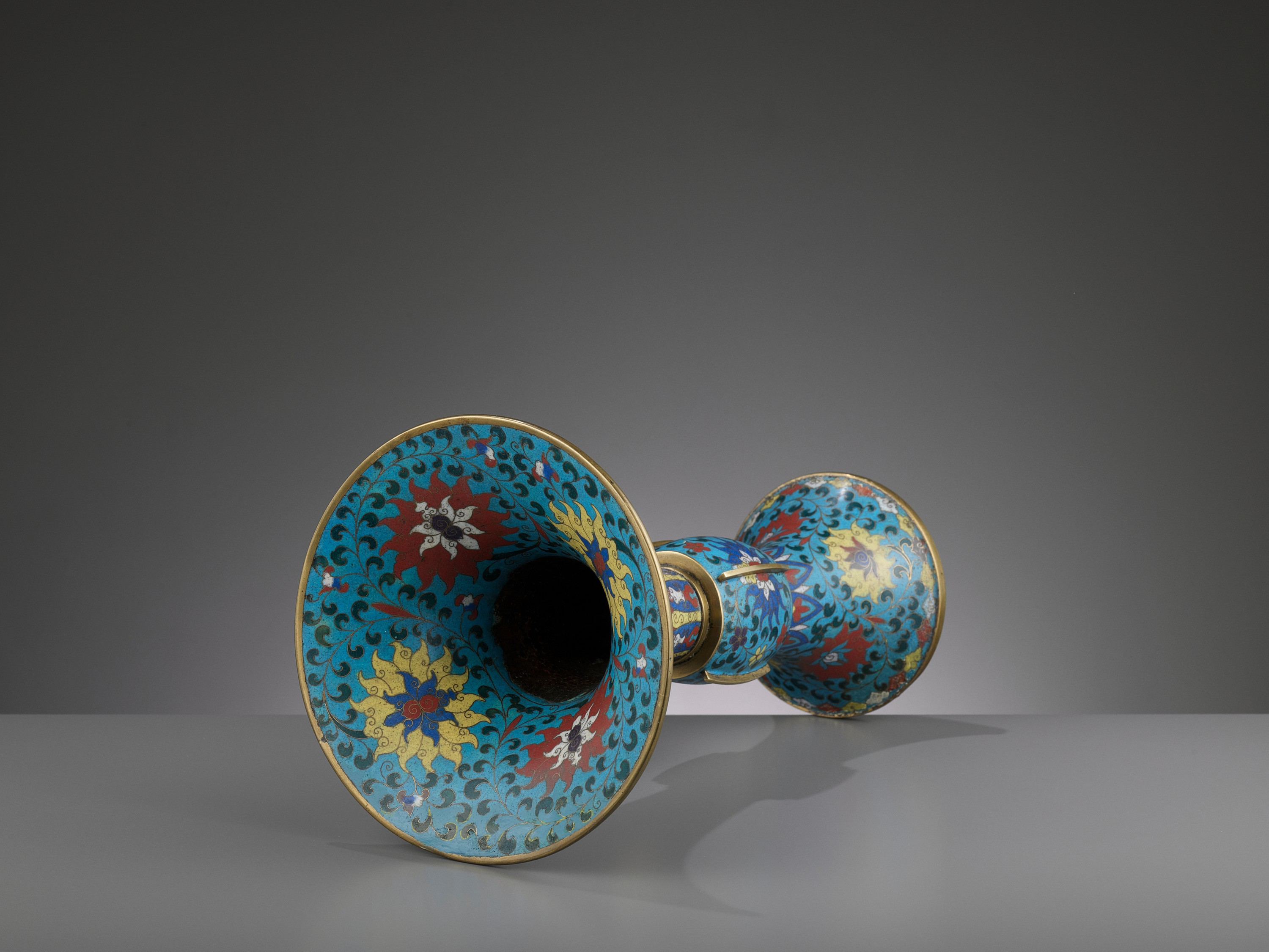 A LARGE CLOISONNE AND GILT-BRONZE GU, QING DYNASTY - Image 5 of 6