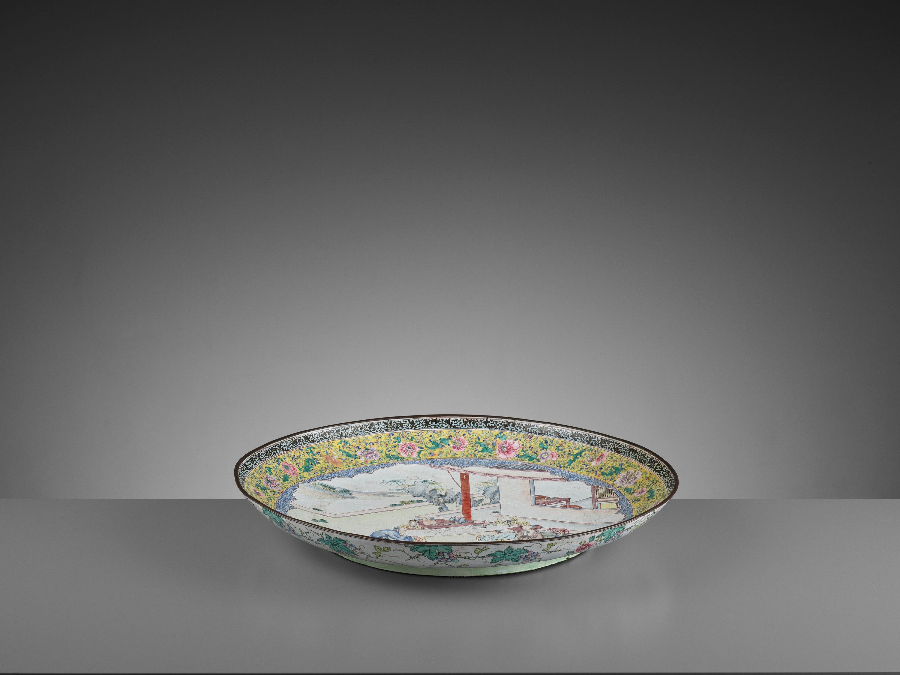 AN EXCEPTIONAL AND VERY LARGE CANTON ENAMEL 'SCHOLARS' DISH, EARLY 18TH CENTURY - Image 7 of 12