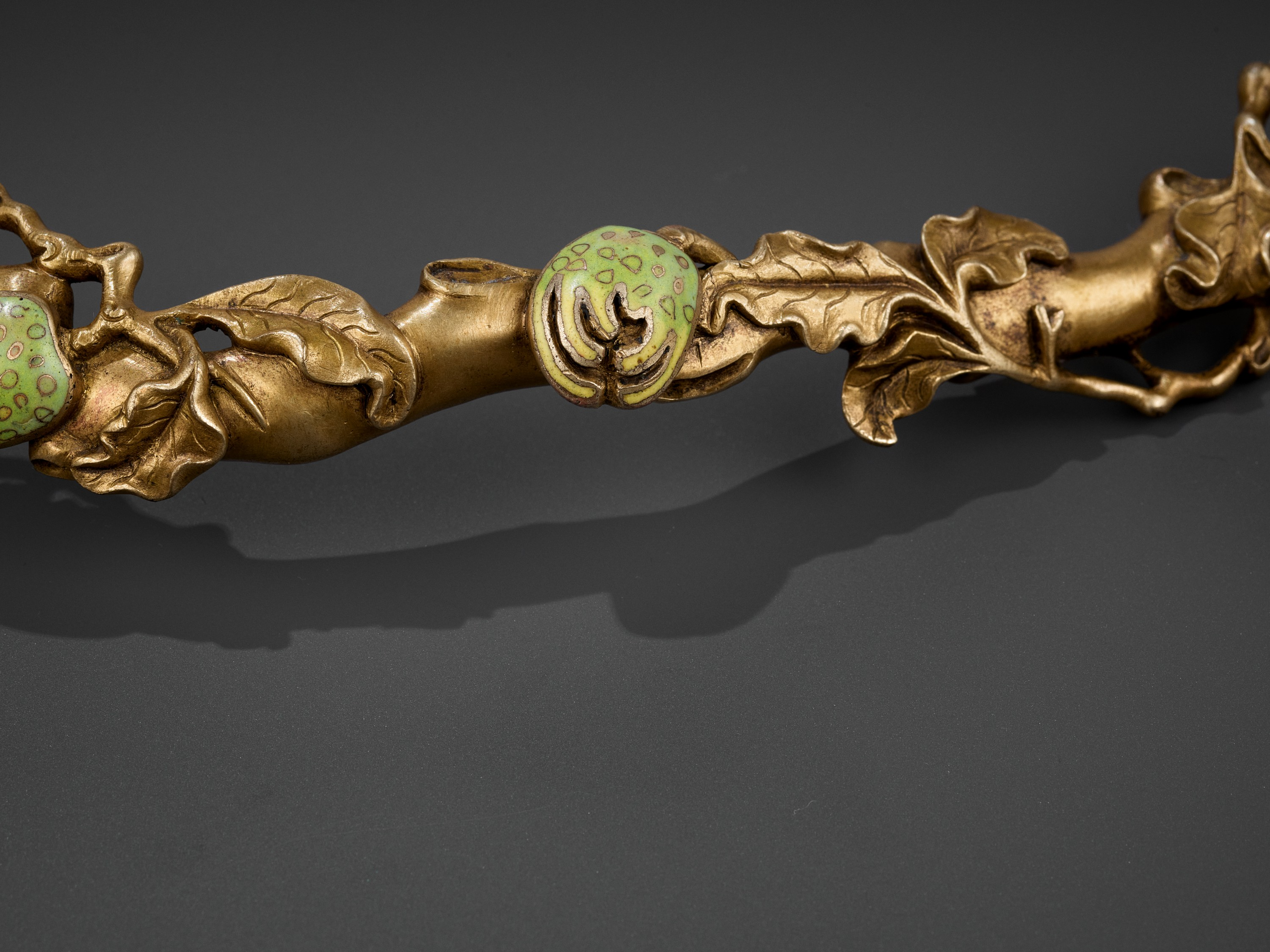 A CHAMPLEVE ENAMEL 'BUDDHA'S HAND' RUYI SCEPTER, QING DYNASTY - Image 2 of 11