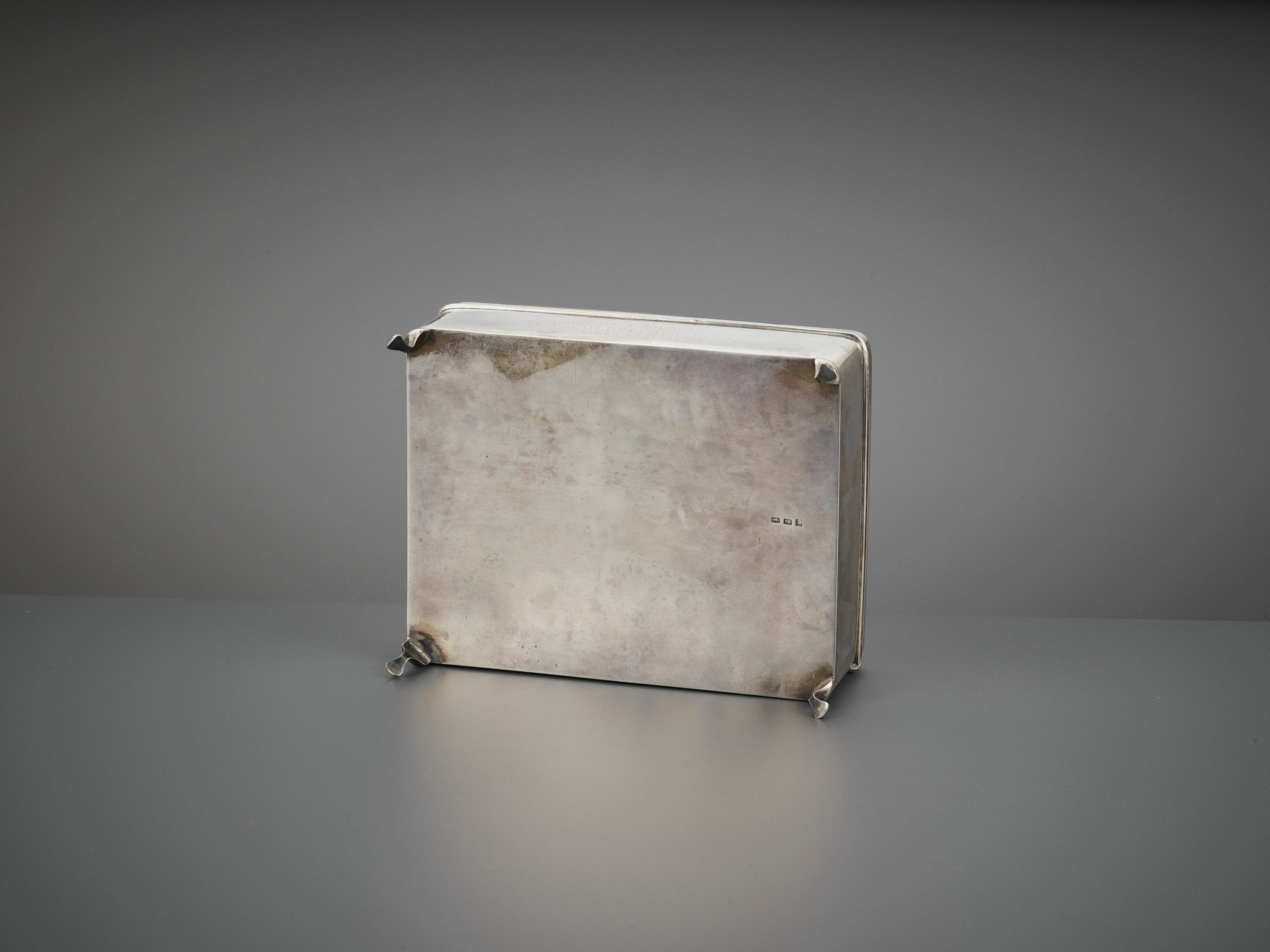 A SILVER REPOUSSE 'DRAGON' BOX AND COVER, WANG HING, LATE QING TO REPUBLIC - Image 10 of 10