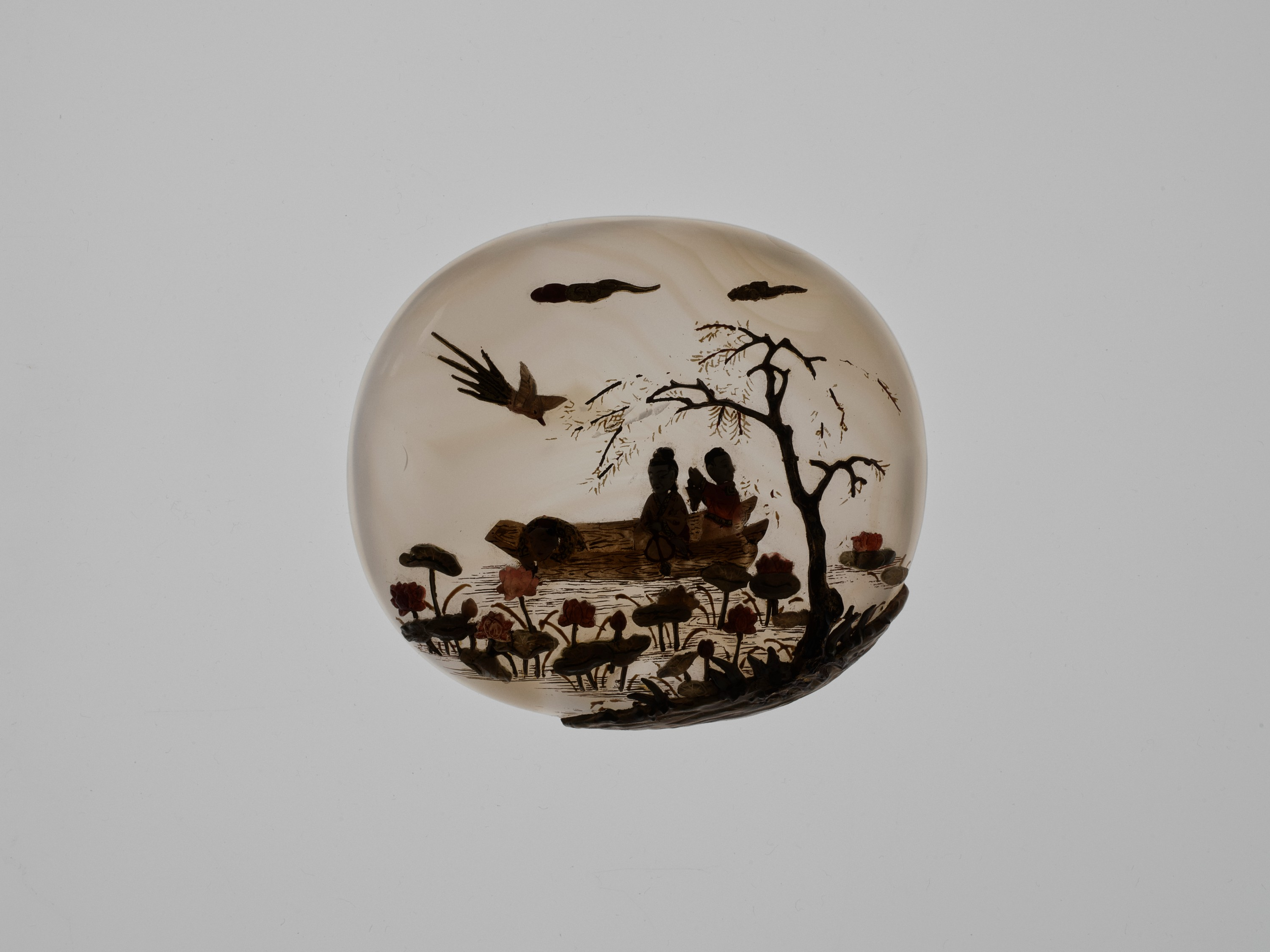 AN EMBELLISHED 'PICKING LOTUS' AGATE BOX, QING DYNASTY - Image 4 of 11