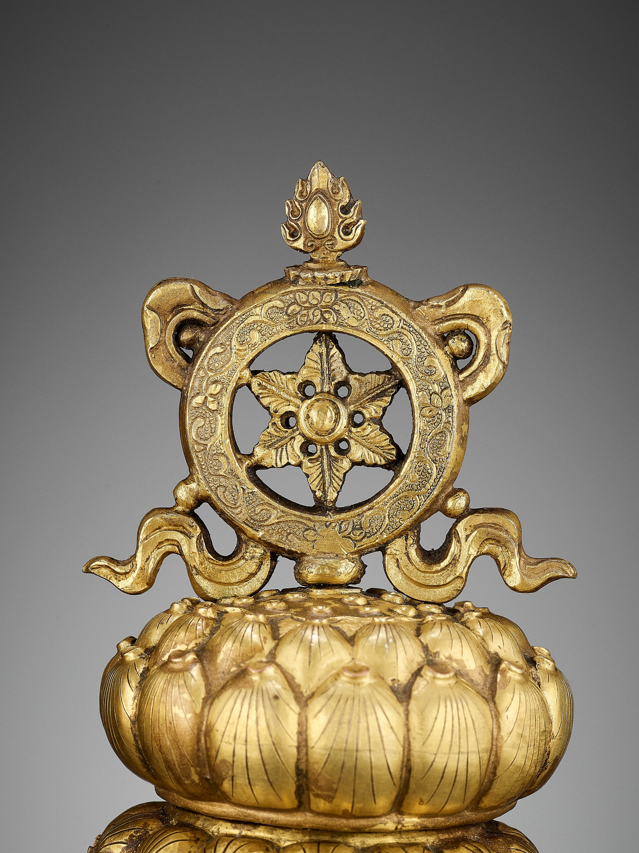 TWO BUDDHIST EMBLEMS, CLOISONNE ENAMEL AND GILT-BRONZE, QIANLONG PERIOD - Image 4 of 12