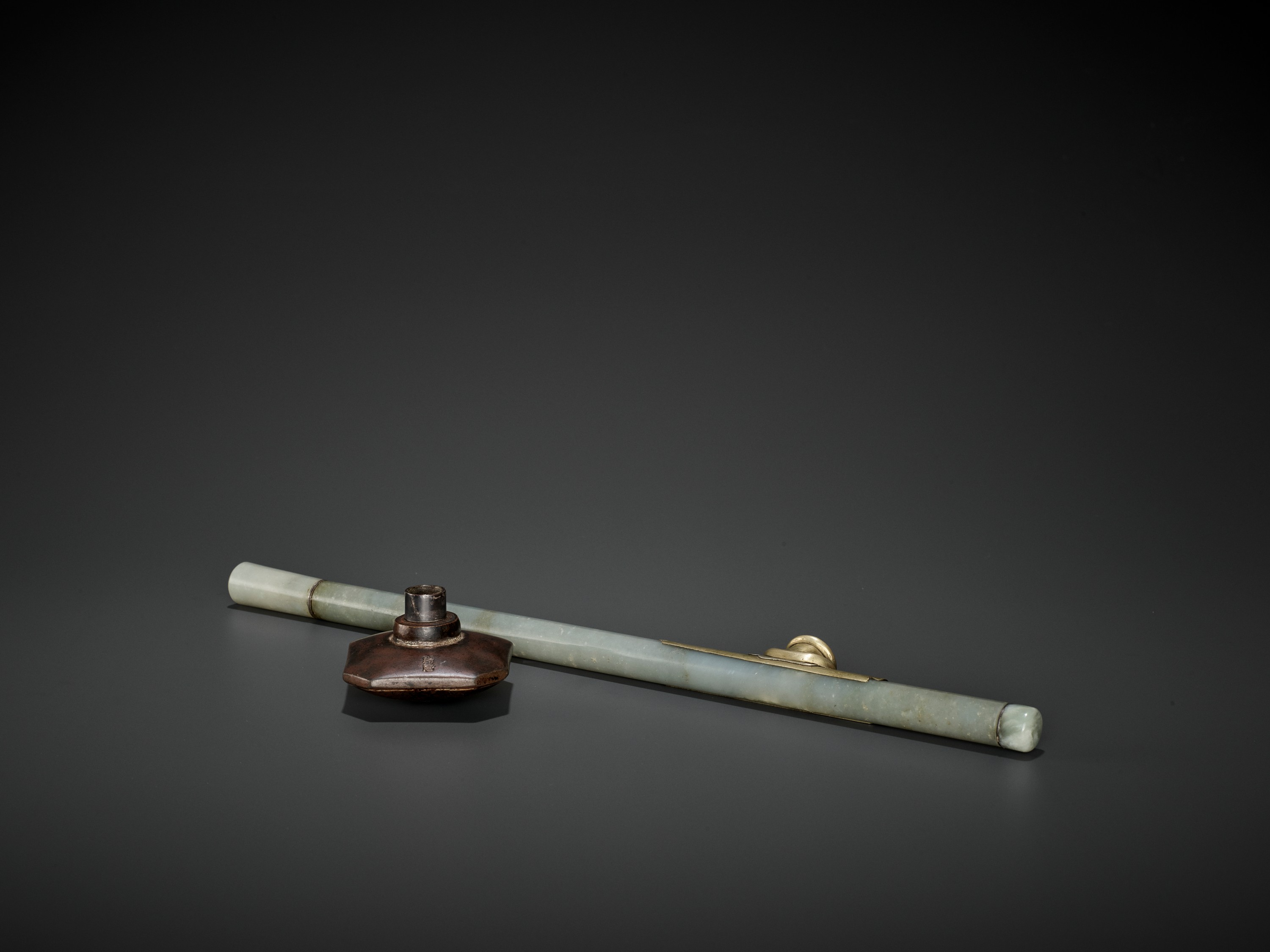 A JADE OPIUM PIPE, QING DYNASTY - Image 6 of 6
