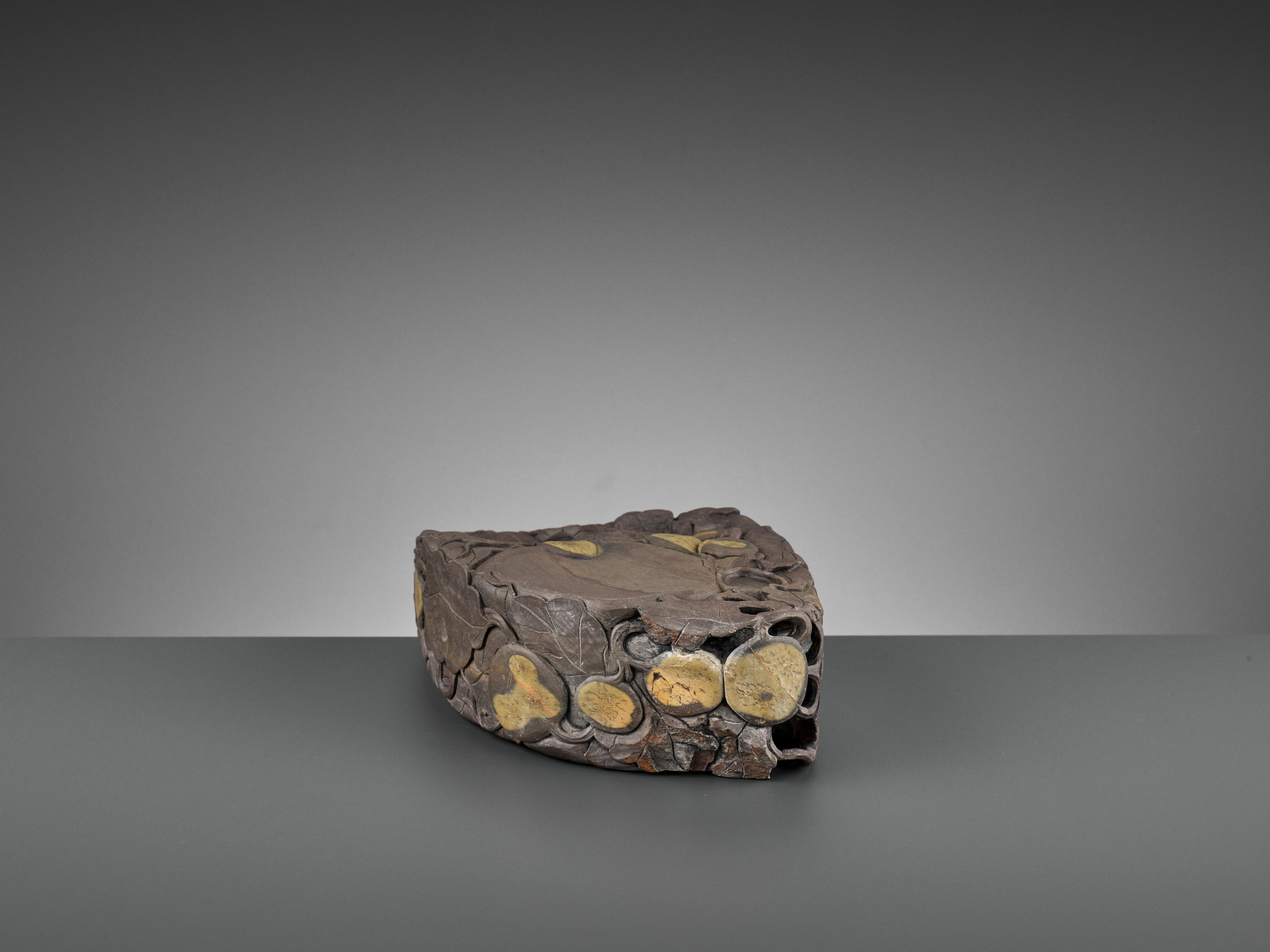 A MASSIVE CARVED 'MELON' DUAN INKSTONE, EARLY QING - Image 6 of 13