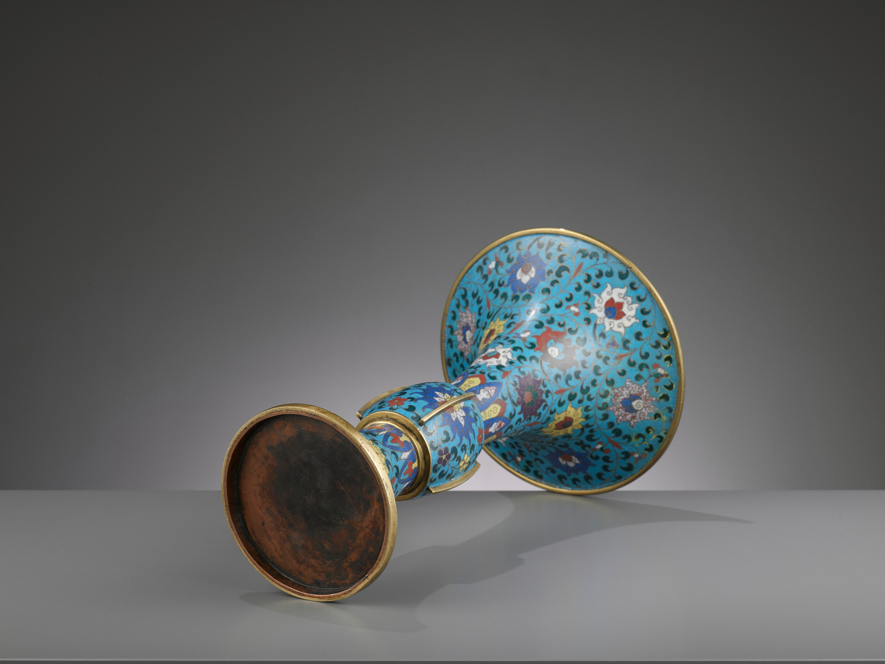 A LARGE CLOISONNE AND GILT-BRONZE GU, QING DYNASTY - Image 6 of 6