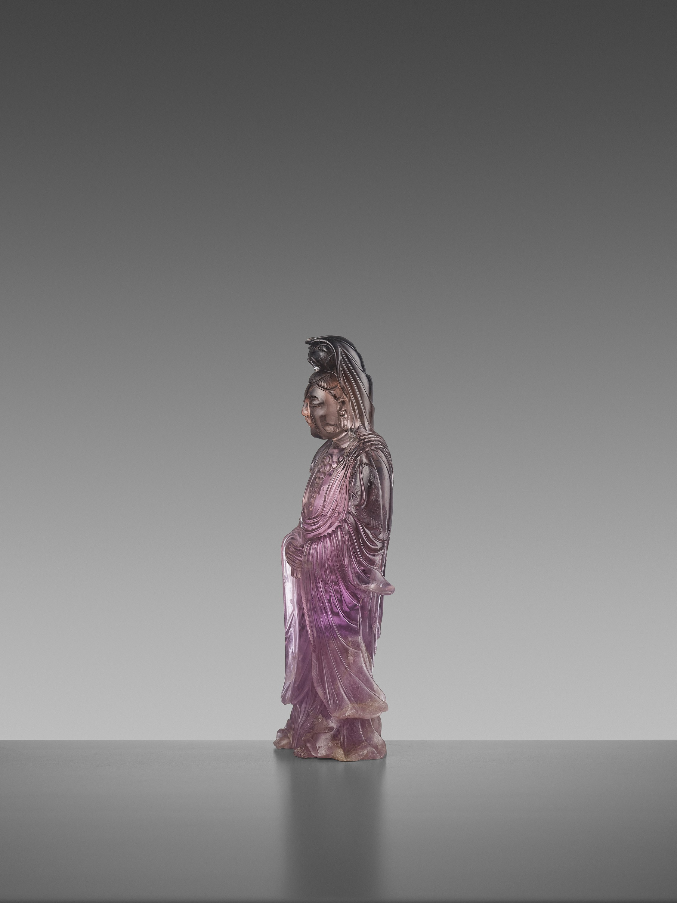 A CARVED AMETHYST FIGURE OF GUANYIN, QIANLONG MARK AND OF THE PERIOD - Image 4 of 7