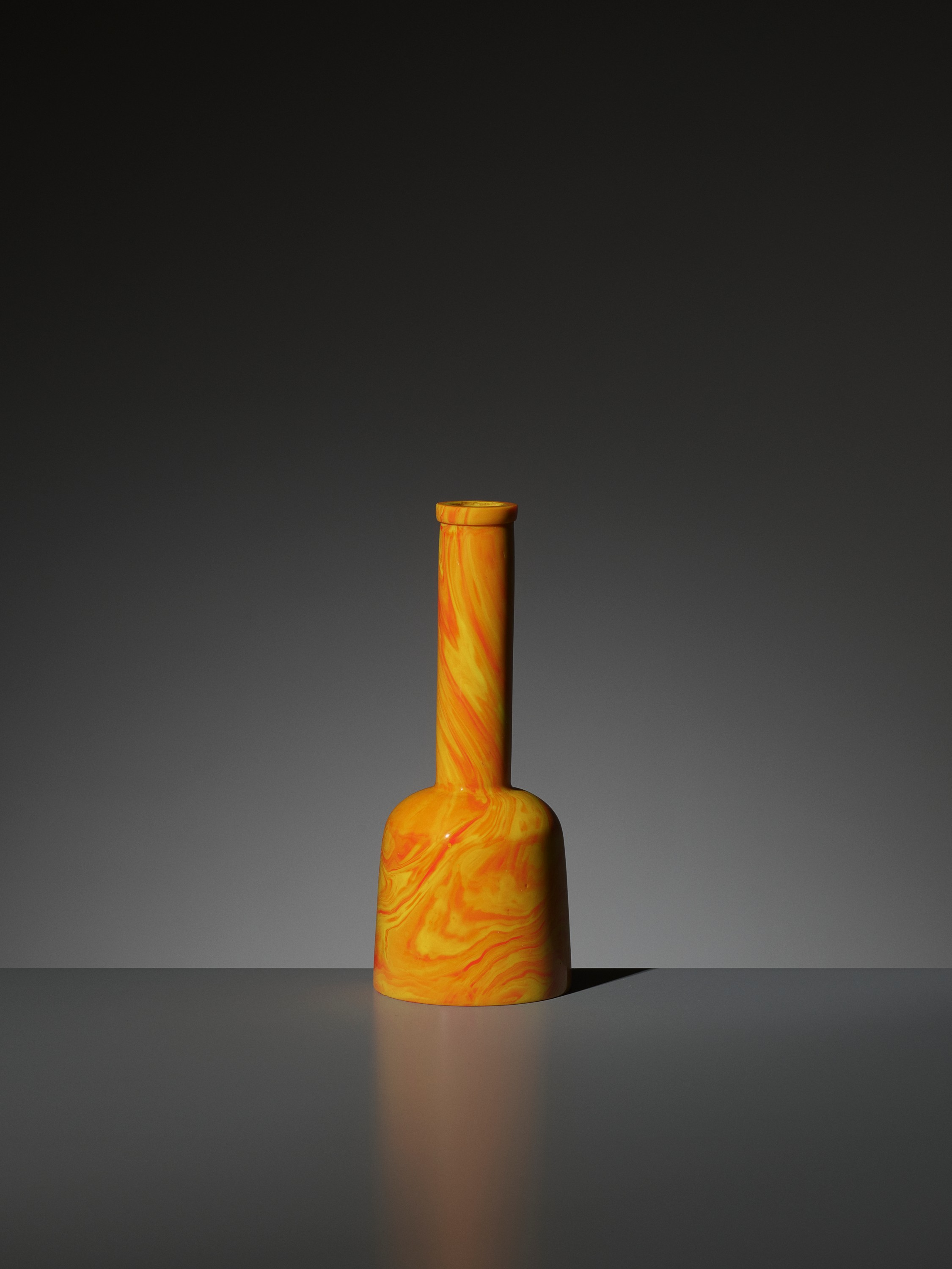 AN IMPERIAL 'REALGAR' GLASS MALLET VASE, QIANLONG MARK AND PERIOD - Image 5 of 9