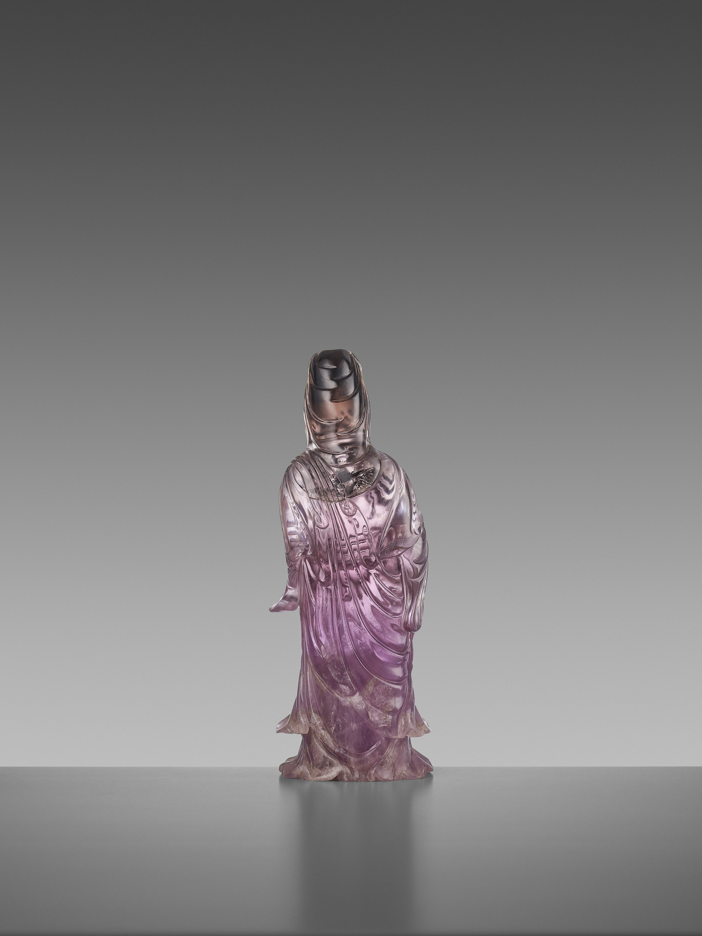 A CARVED AMETHYST FIGURE OF GUANYIN, QIANLONG MARK AND OF THE PERIOD - Image 5 of 7