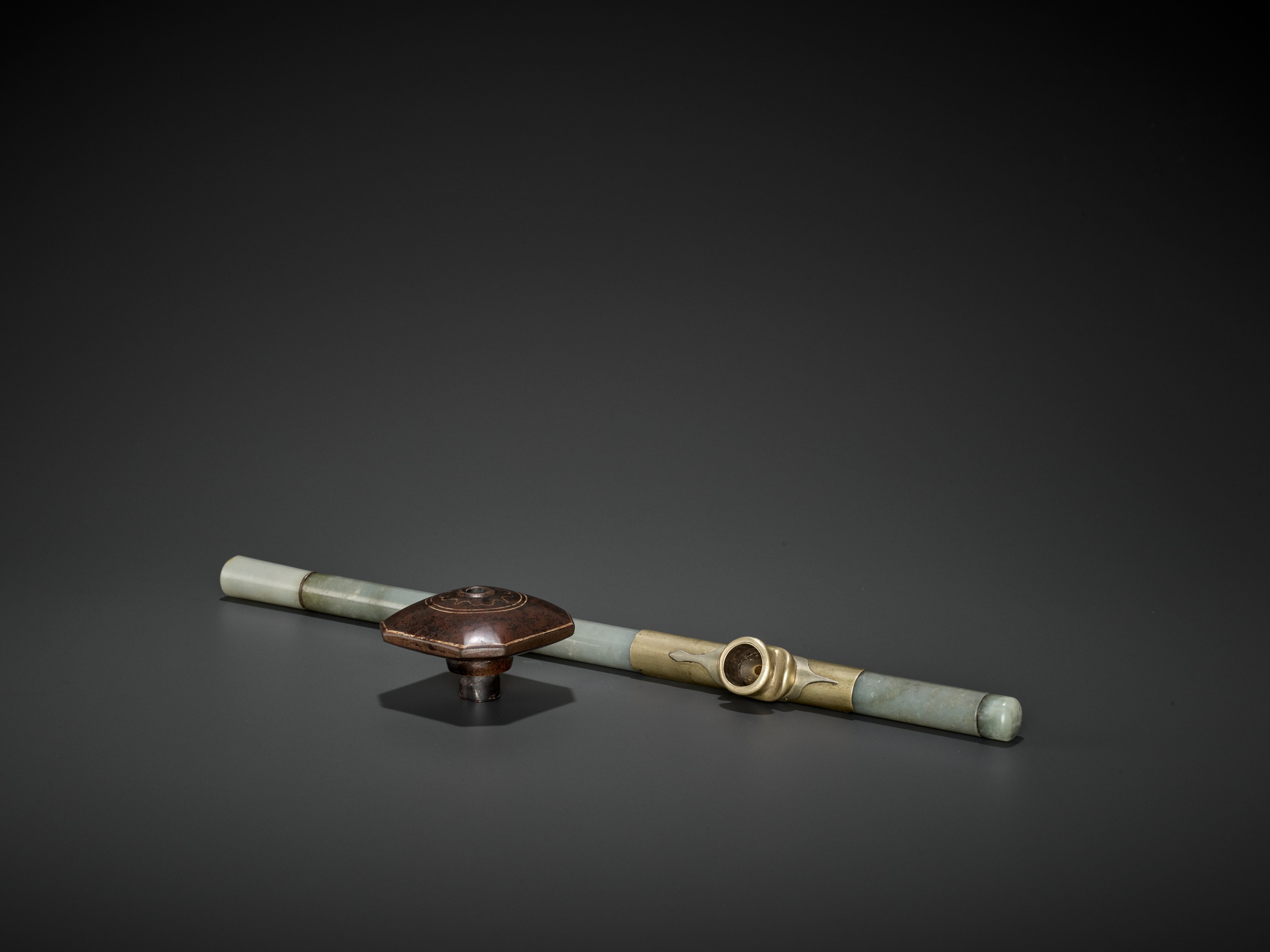 A JADE OPIUM PIPE, QING DYNASTY - Image 3 of 6