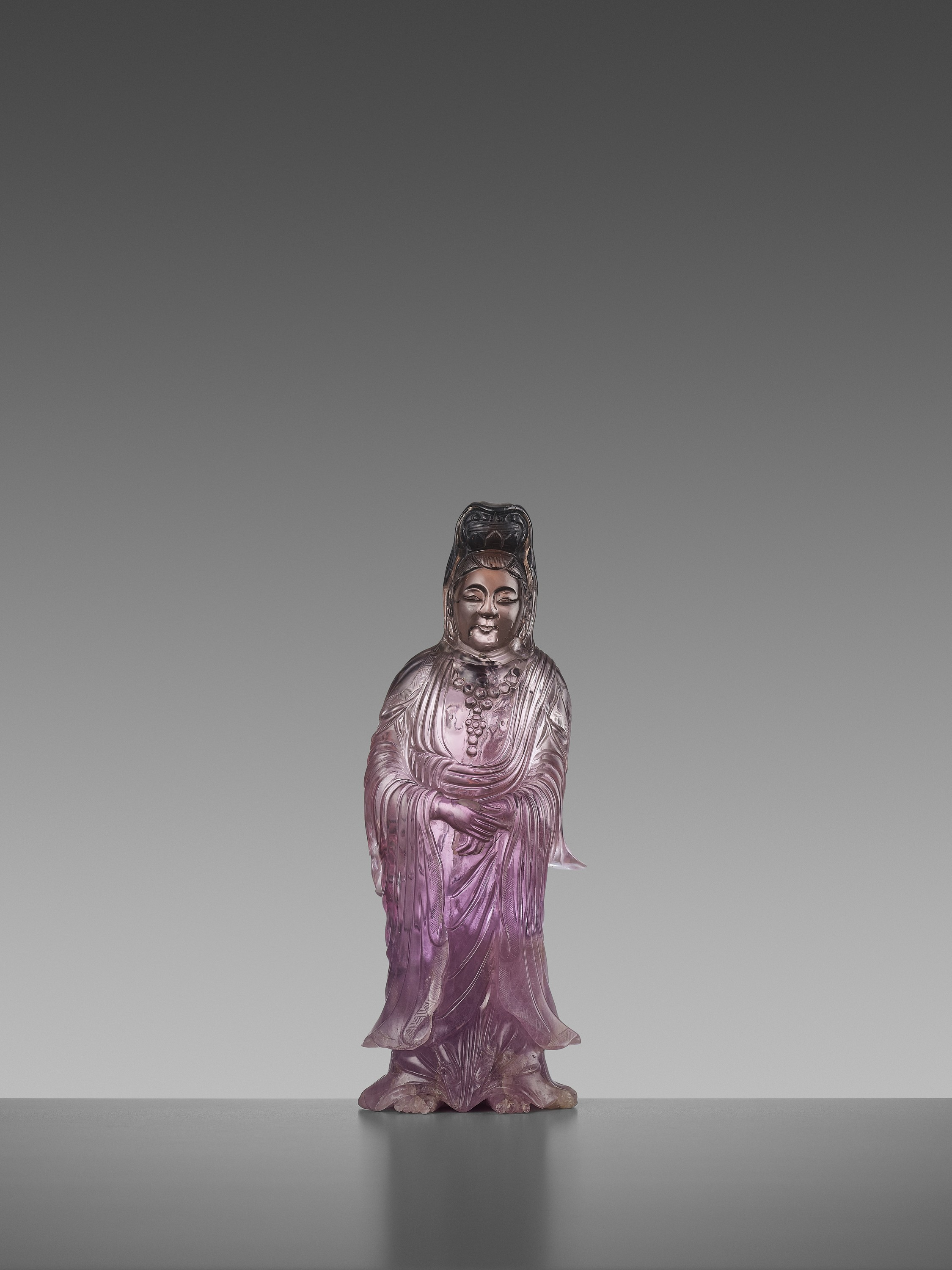 A CARVED AMETHYST FIGURE OF GUANYIN, QIANLONG MARK AND OF THE PERIOD - Image 3 of 7