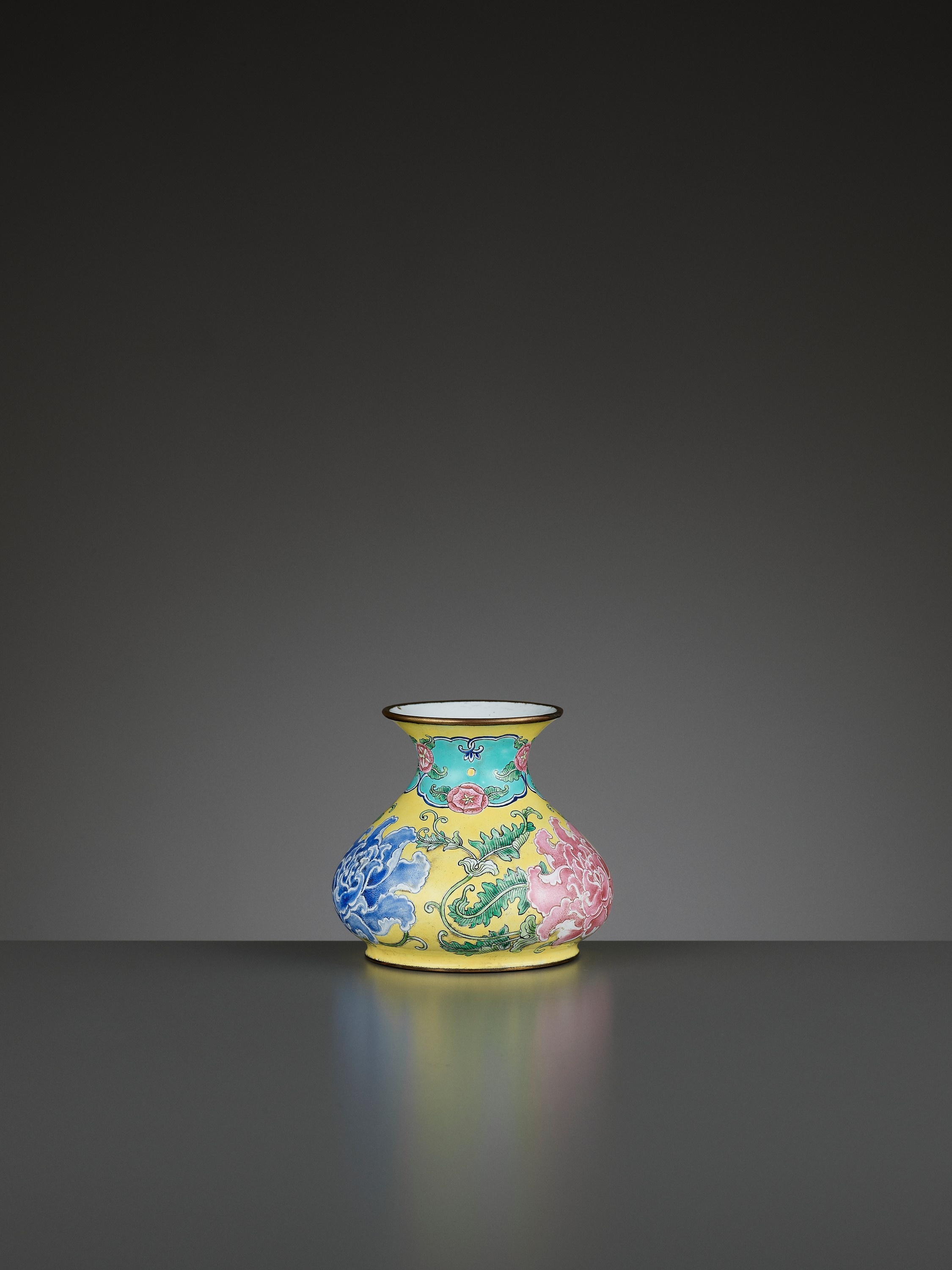 A BEIJING ENAMEL ON COPPER 'PEONIES' WATER POT, QIANLONG MARK AND PERIOD - Image 7 of 11