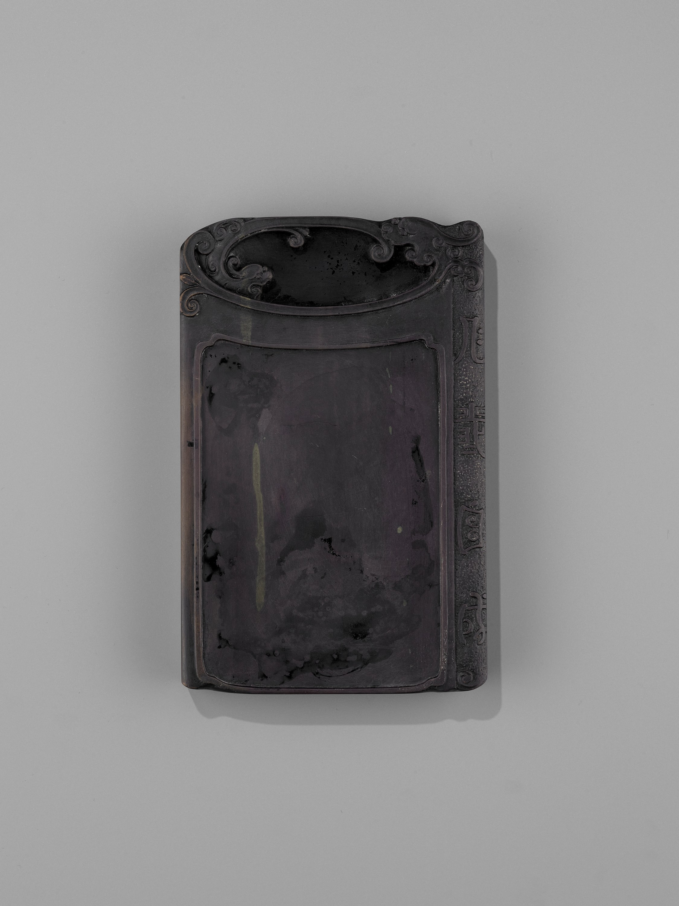 AN INSCRIBED DUAN INKSTONE AND FITTED HUANGHUALI BOX, QING - Image 4 of 11