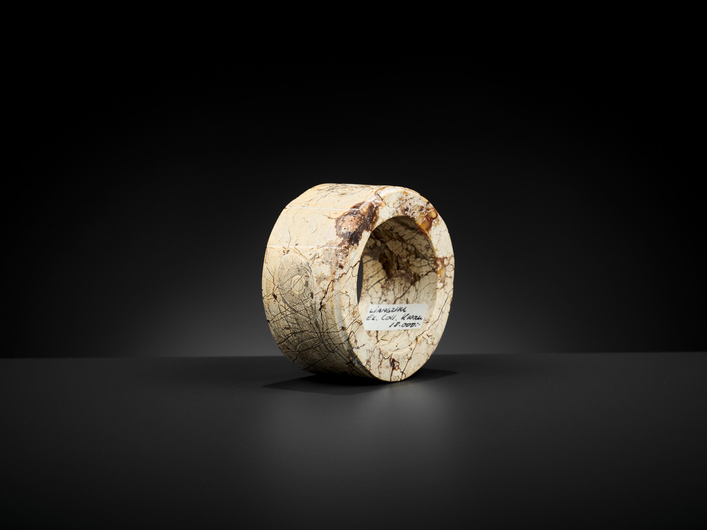 AN IVORY JADE BANGLE, LIANGZHU CULTURE - Image 9 of 11