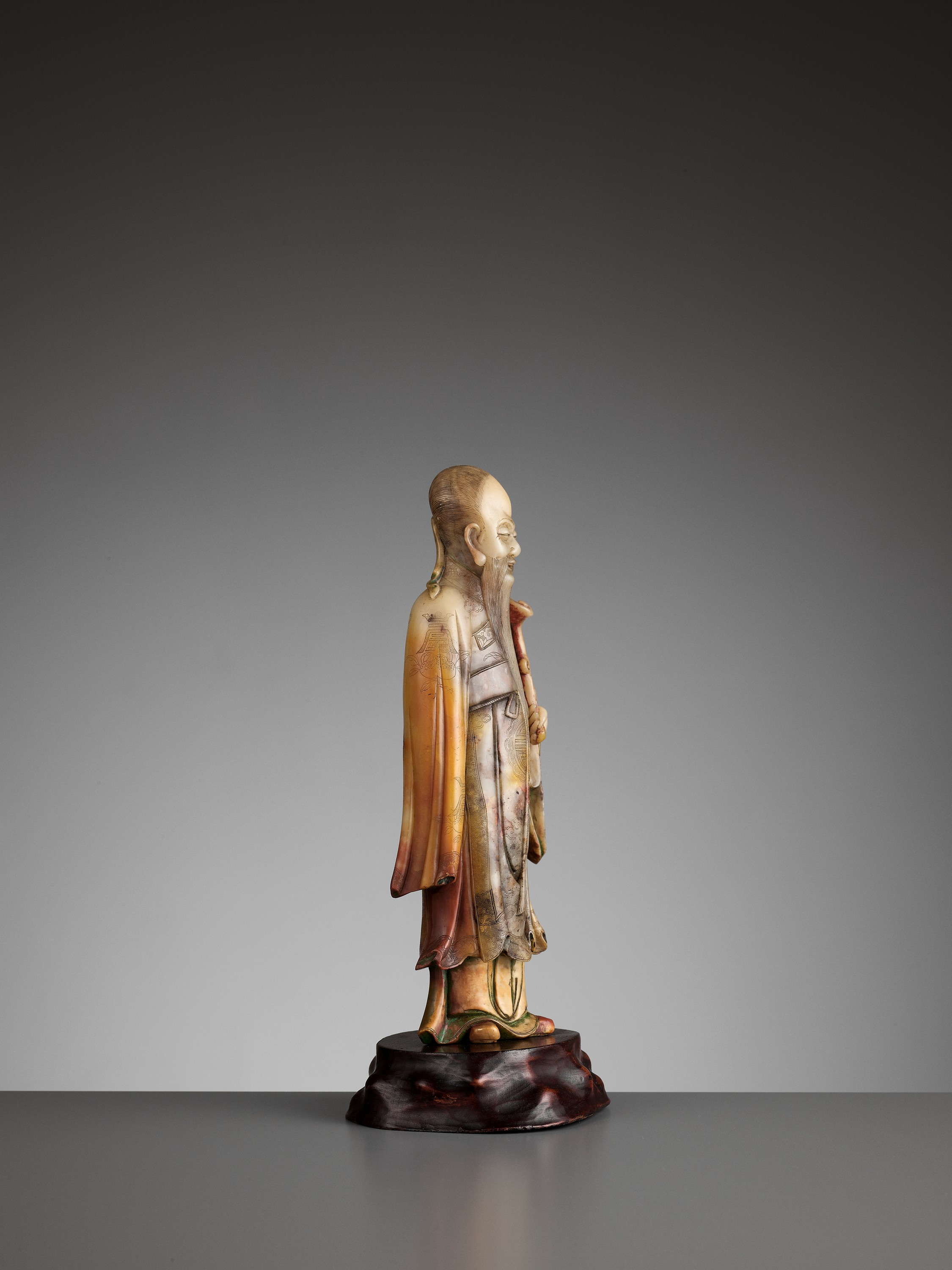 A CARVED SOAPSTONE FIGURE OF SHOULAO, MID-QING - Image 9 of 13