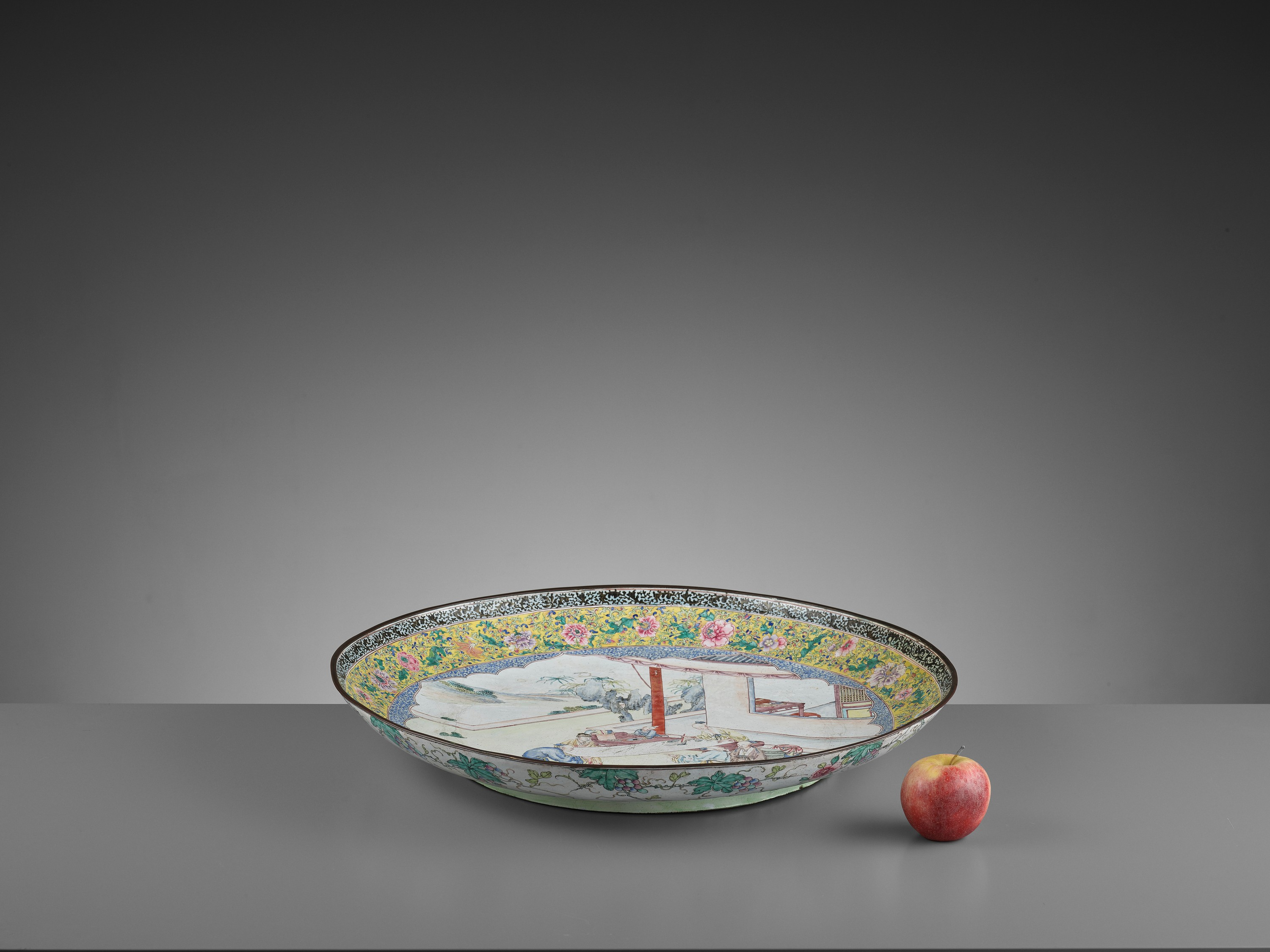 AN EXCEPTIONAL AND VERY LARGE CANTON ENAMEL 'SCHOLARS' DISH, EARLY 18TH CENTURY - Image 2 of 12