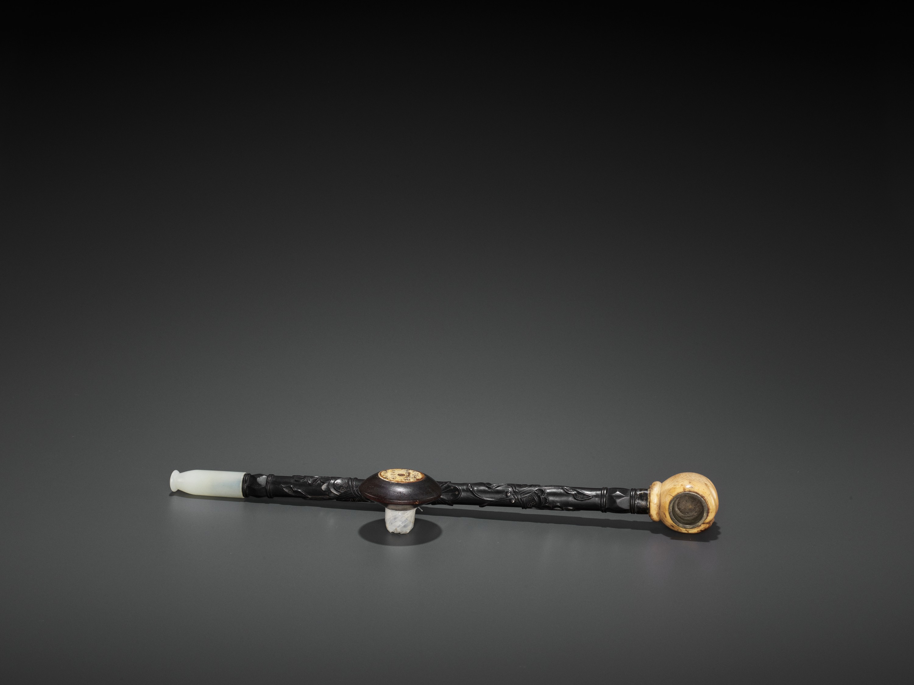 A HARDWOOD OPIUM PIPE WITH JADEITE, IVORY AND ZITAN FITTINGS, LATE QING TO REPUBLIC - Image 4 of 6
