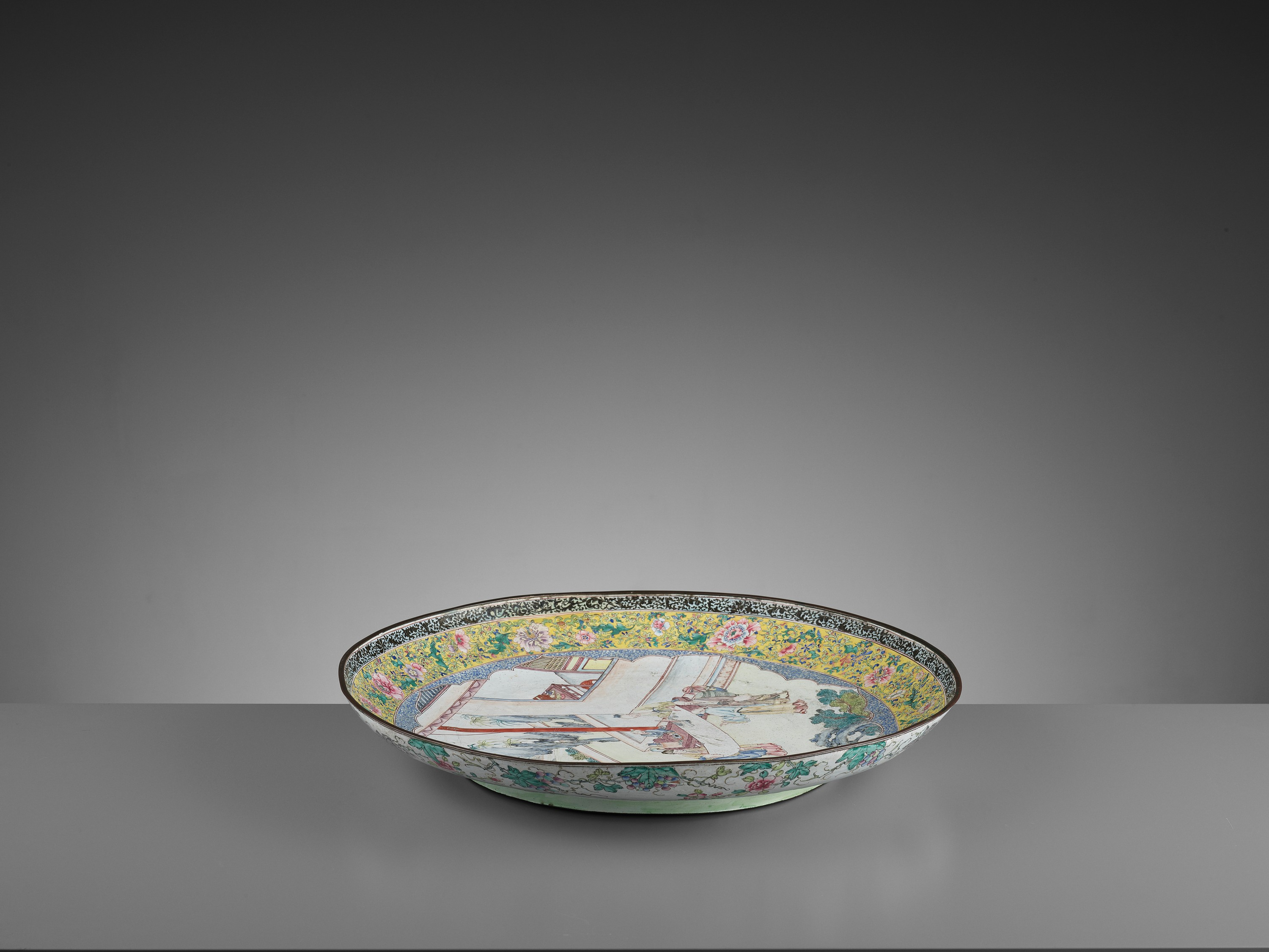 AN EXCEPTIONAL AND VERY LARGE CANTON ENAMEL 'SCHOLARS' DISH, EARLY 18TH CENTURY - Image 8 of 12