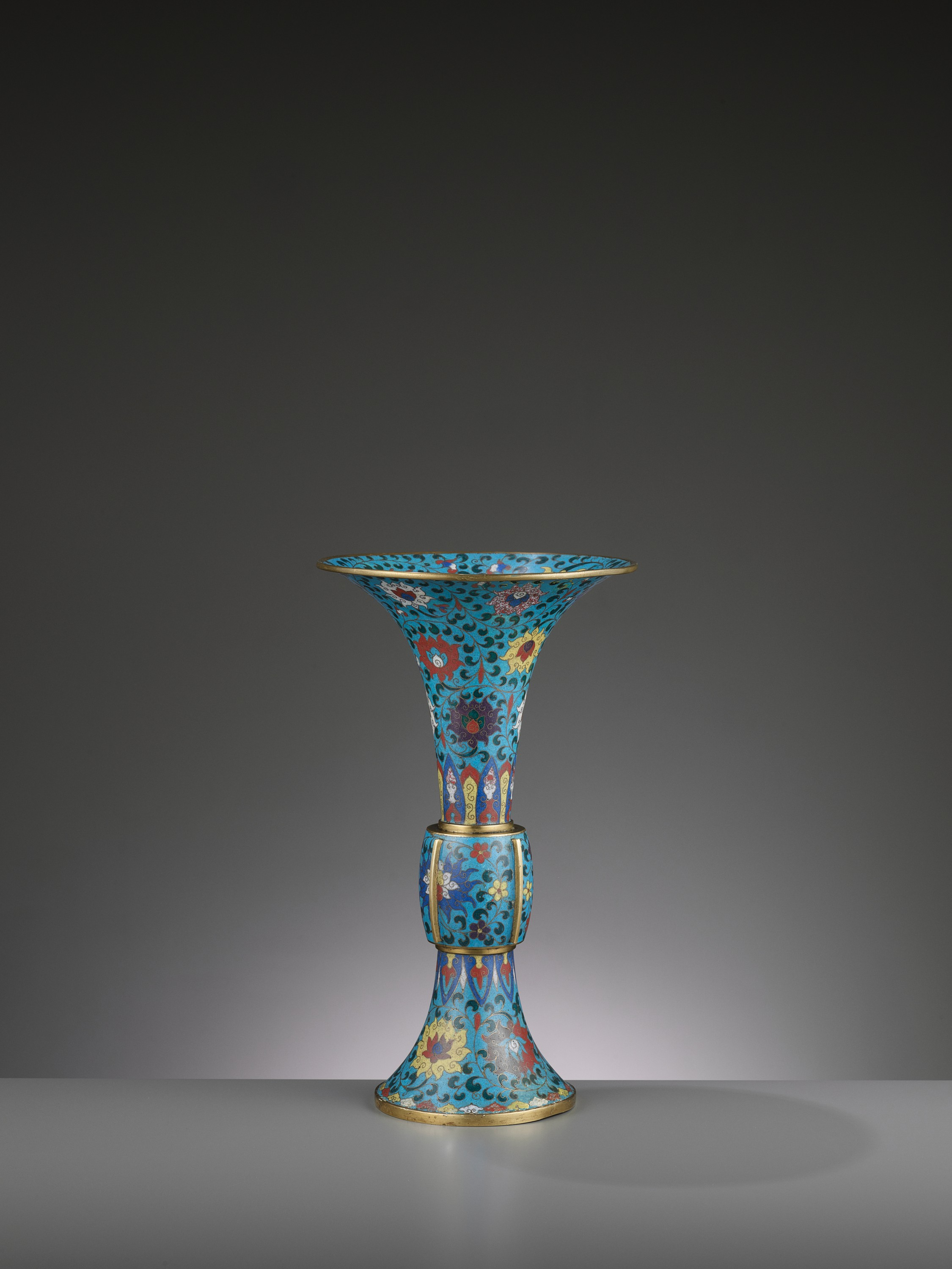 A LARGE CLOISONNE AND GILT-BRONZE GU, QING DYNASTY - Image 4 of 6
