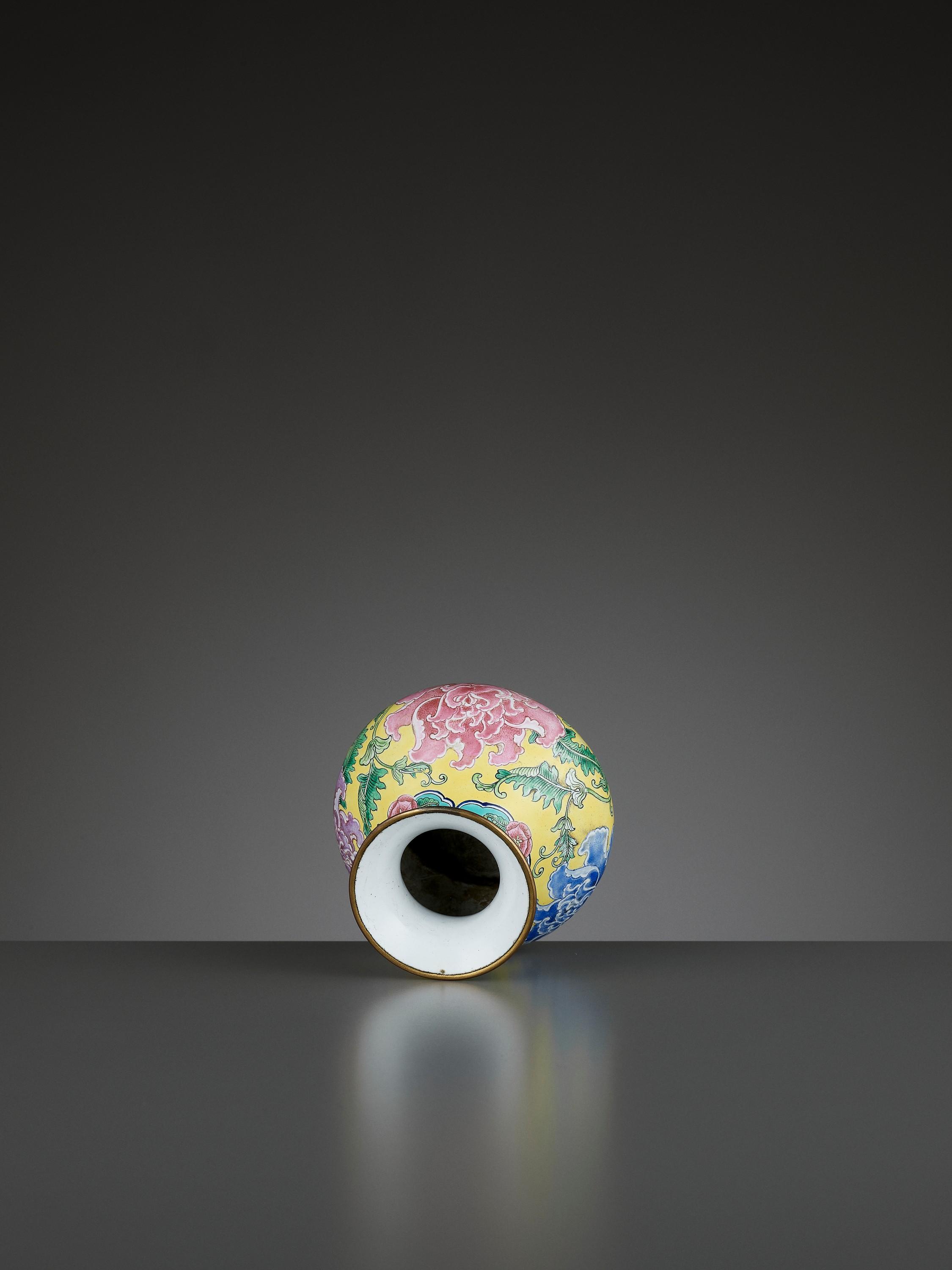 A BEIJING ENAMEL ON COPPER 'PEONIES' WATER POT, QIANLONG MARK AND PERIOD - Image 10 of 11