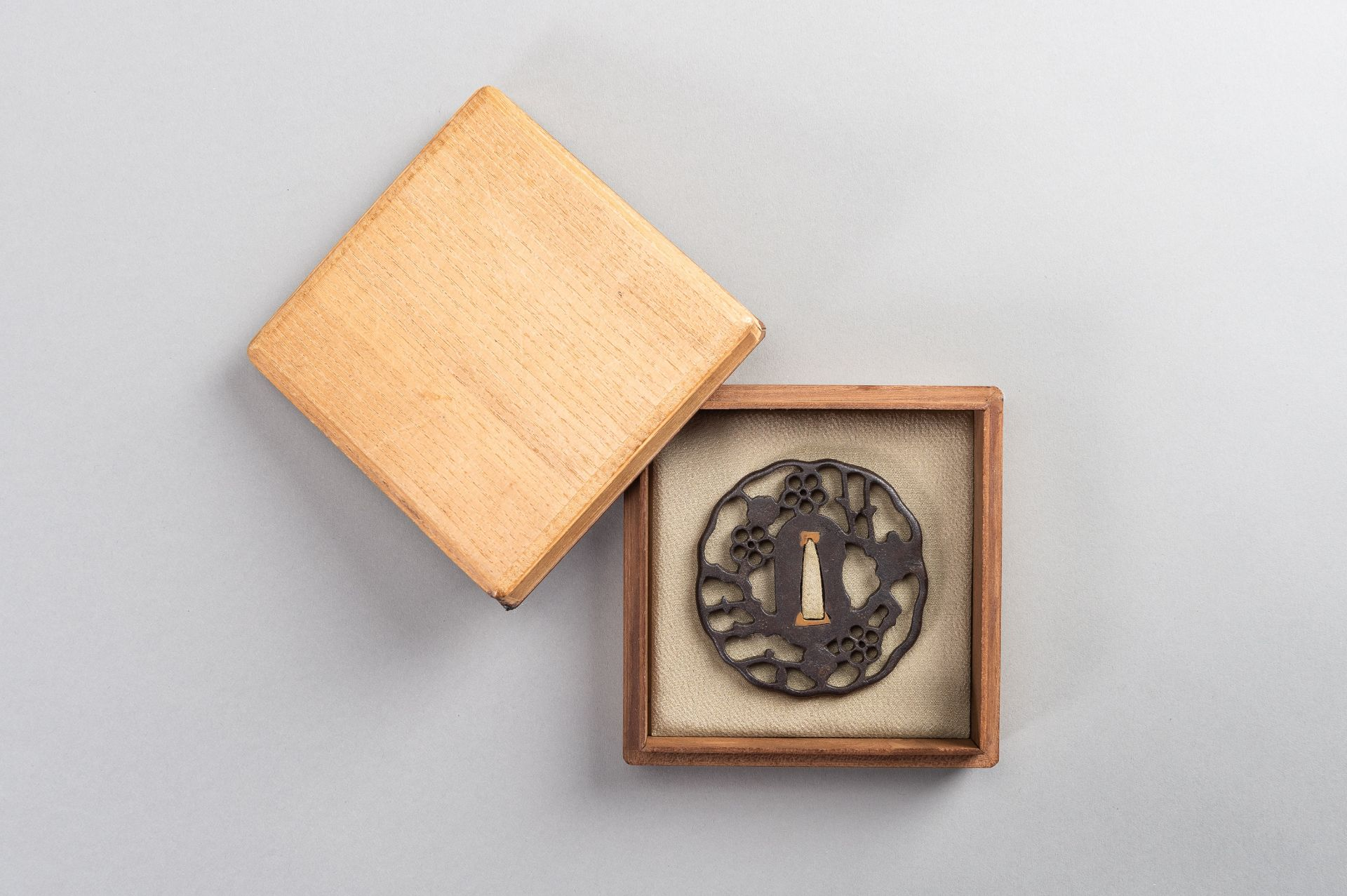 AN IRON SUKASHI-TSUBA WITH FLOWERS AND CLOUDS - Image 2 of 7