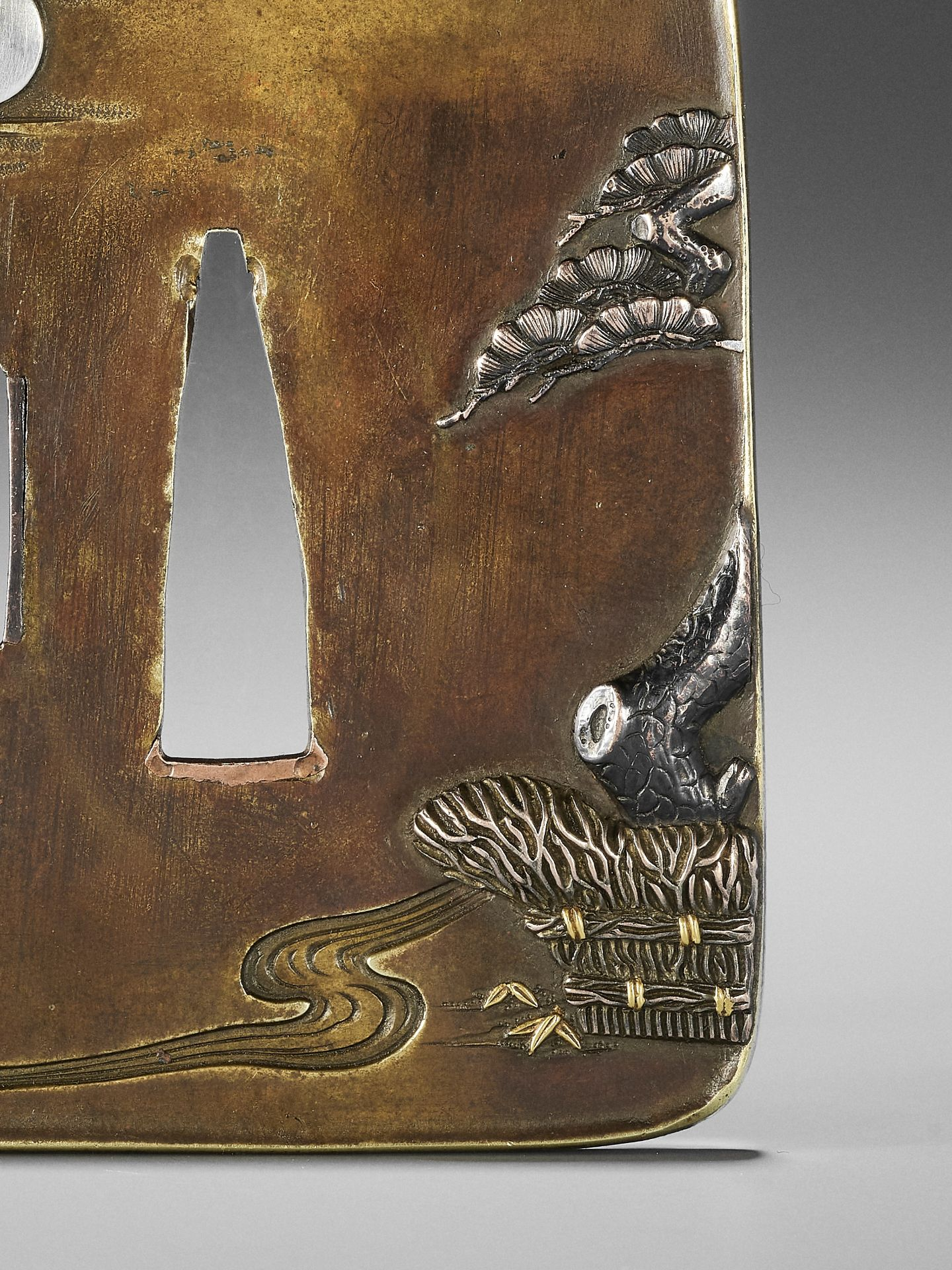 NAGAHARU: A SENTOKU TSUBA DEPICTING GEESE AND MOON - Image 4 of 4
