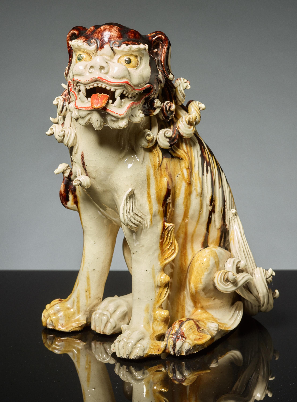 SEATED LION DOG KARASHISHI