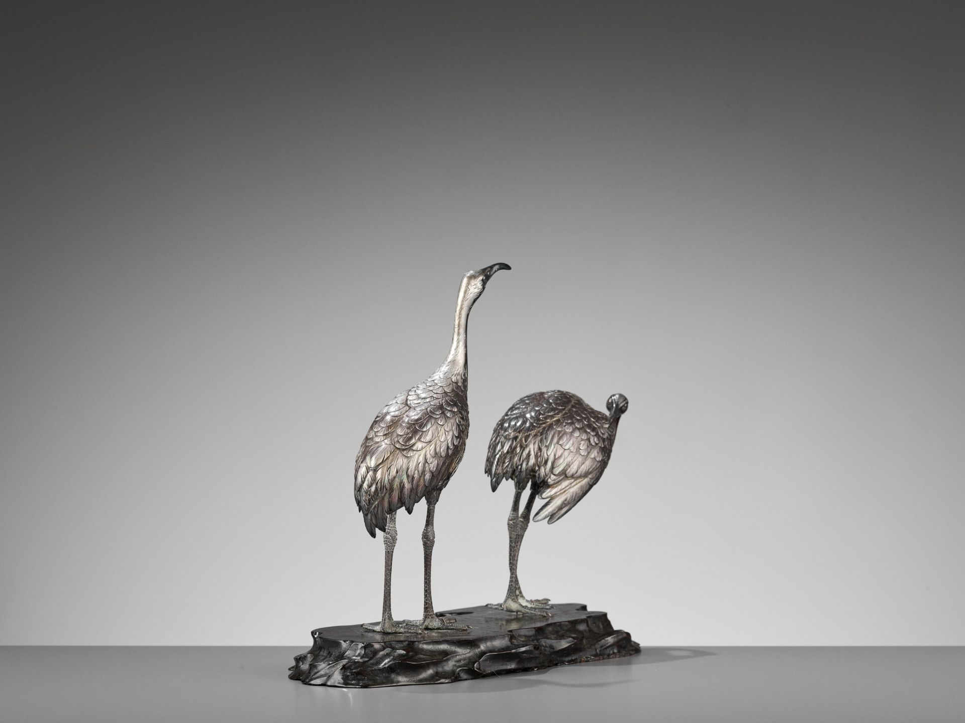 MUSASHIYA: A FINE AND RARE SILVERED OKIMONO OF A PAIR OF CRANES - Image 8 of 11