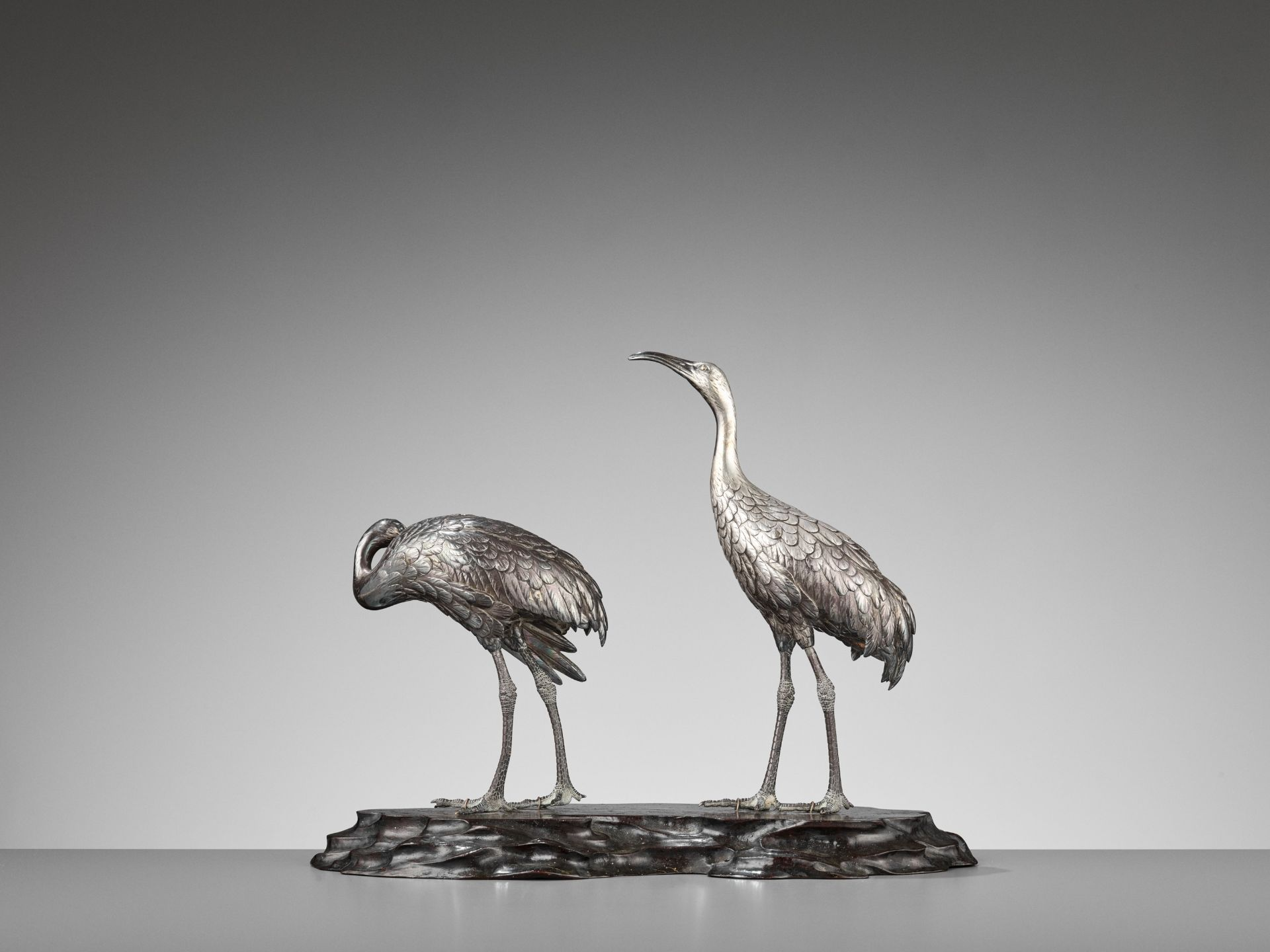 MUSASHIYA: A FINE AND RARE SILVERED OKIMONO OF A PAIR OF CRANES - Image 7 of 11