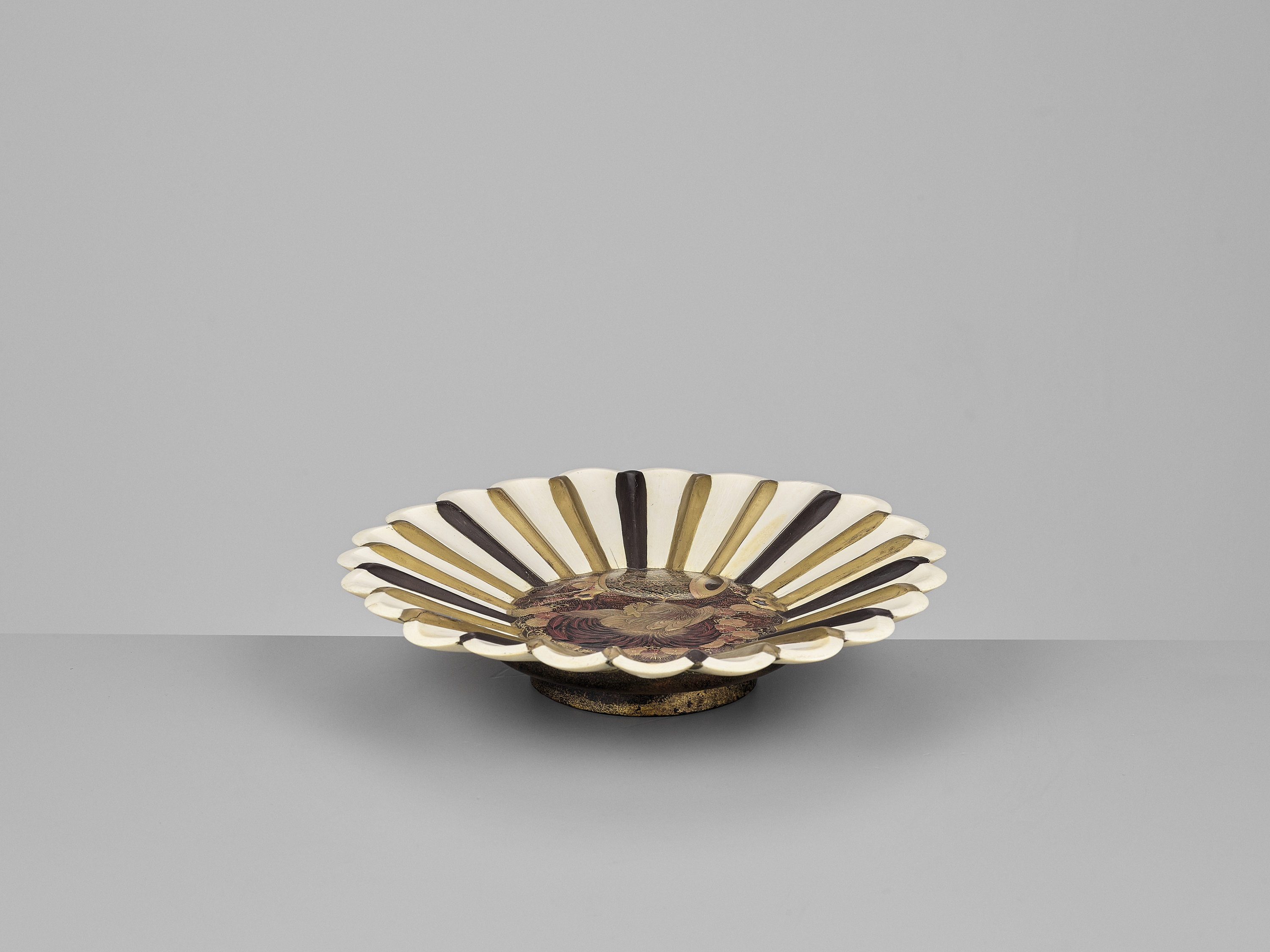 A LACQUERED WOOD AND IVORY FOOTED DISH PLATE - Image 2 of 2