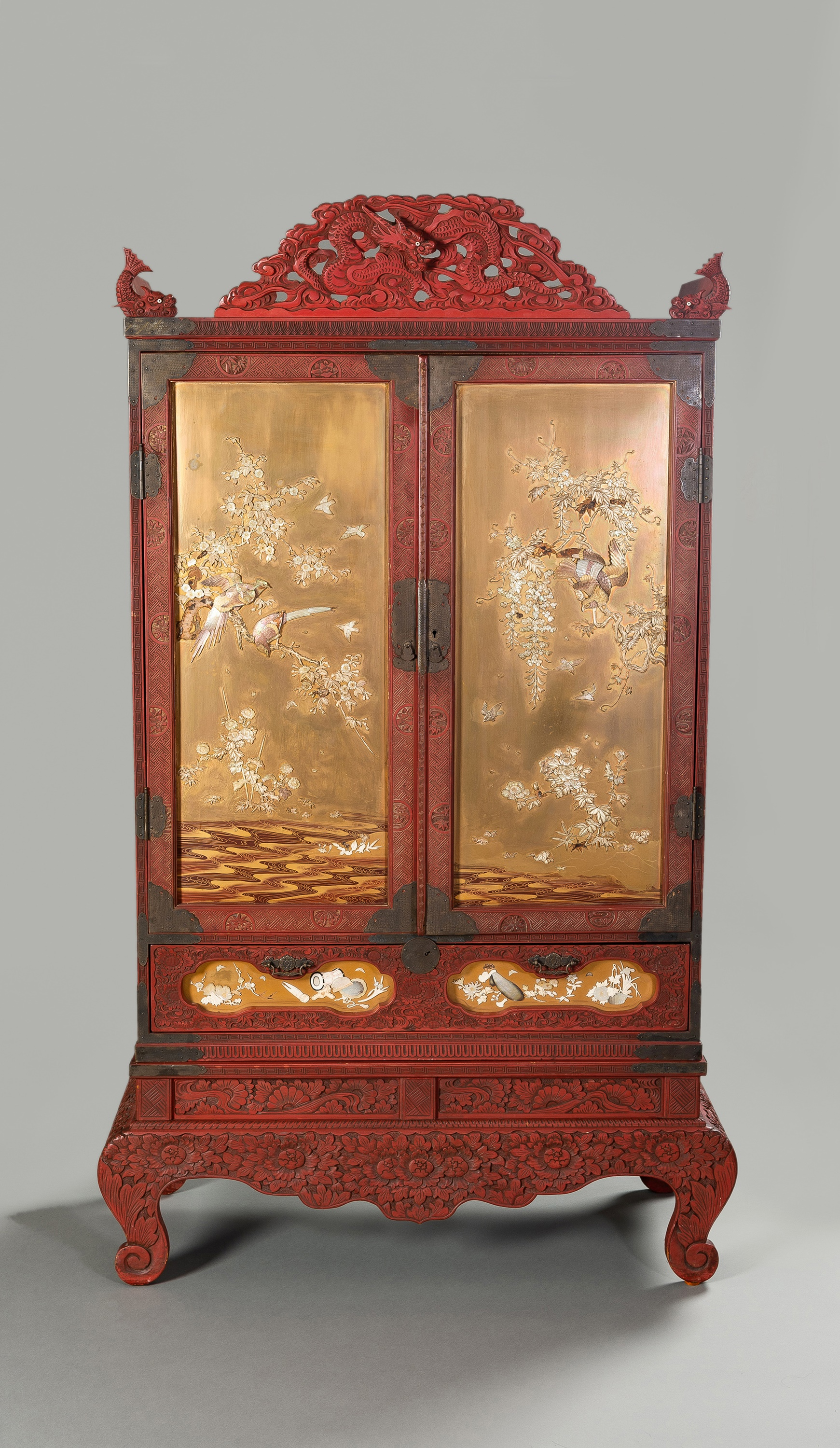 A LARGE AND IMPRESSIVE LACQUER AND SHIBAYAMA CABINET
